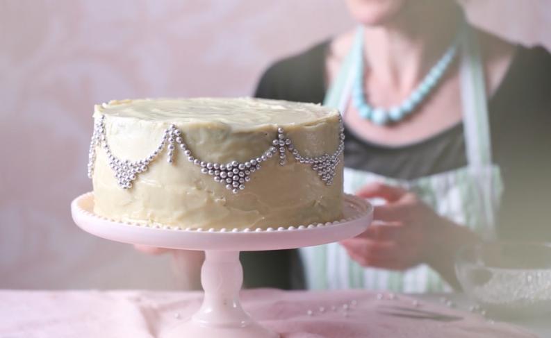 GLITZY WHITE CHOCOLATE CAKE - SAINSBURY'S