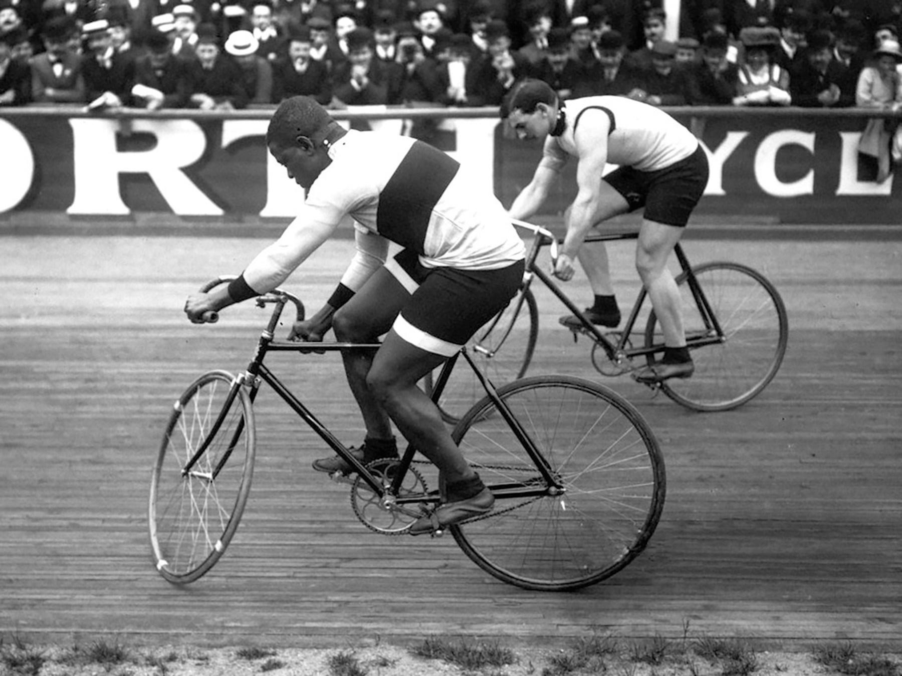 Major Taylor Buffalo Vélodrome 1909.jpg