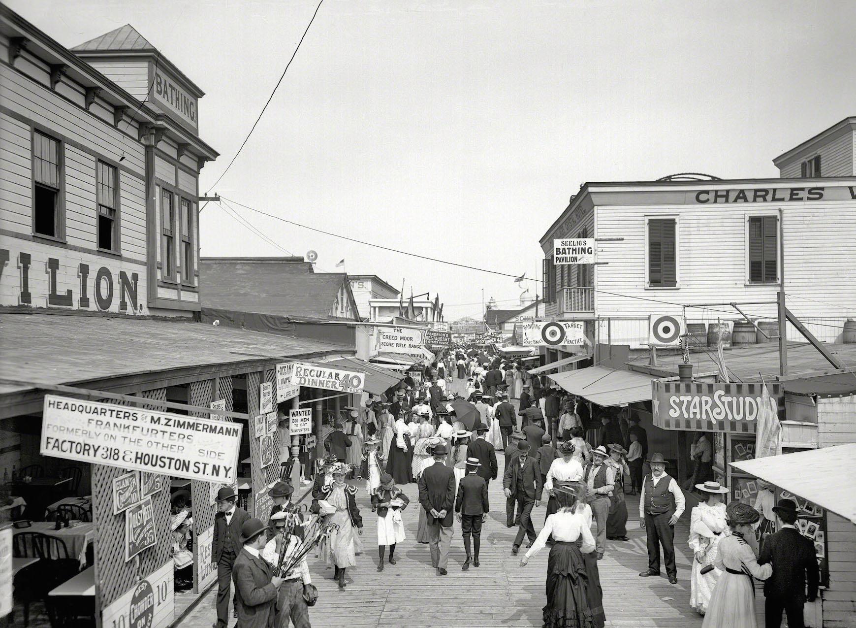 The Bowery 1905.jpg
