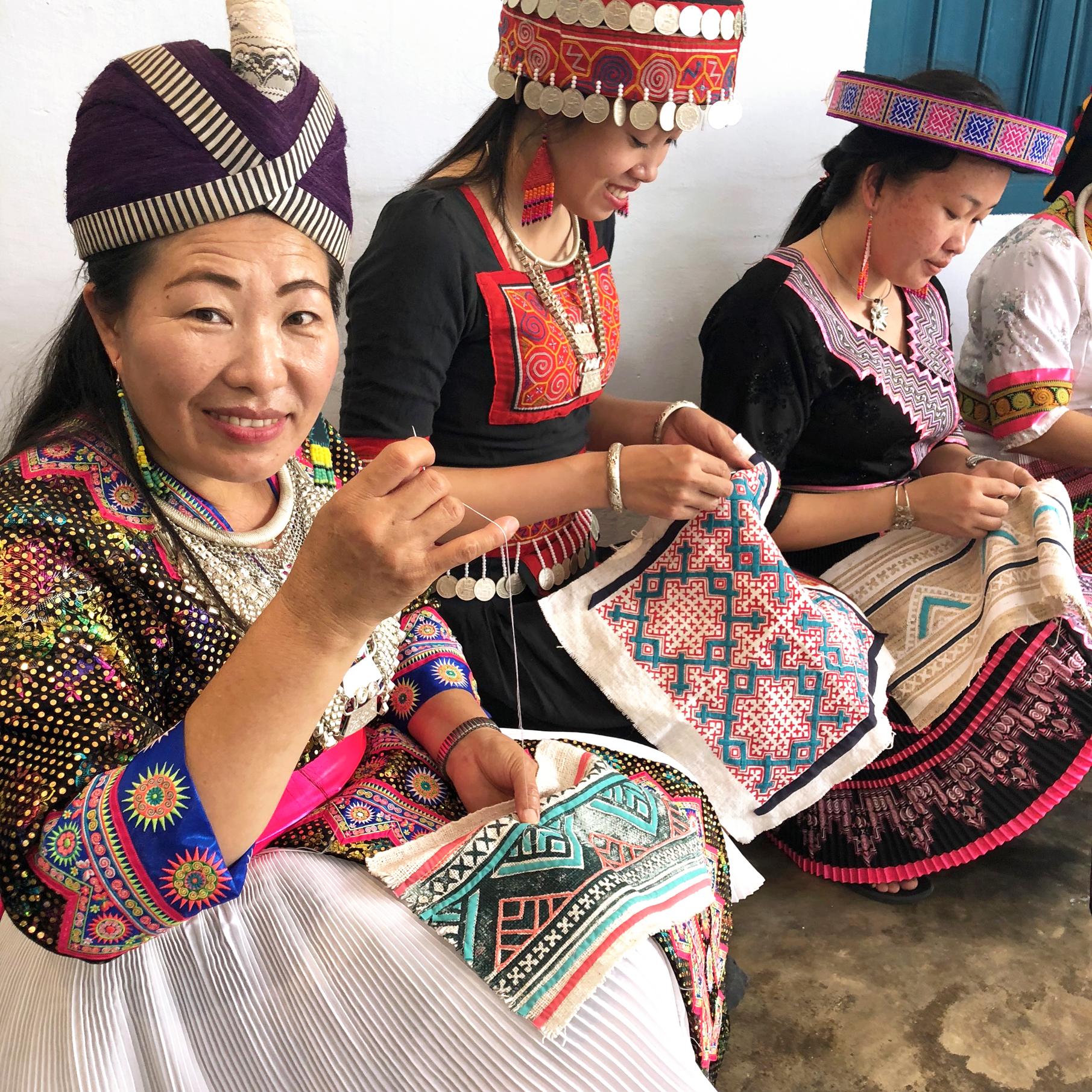 HmongStitchers1.jpg