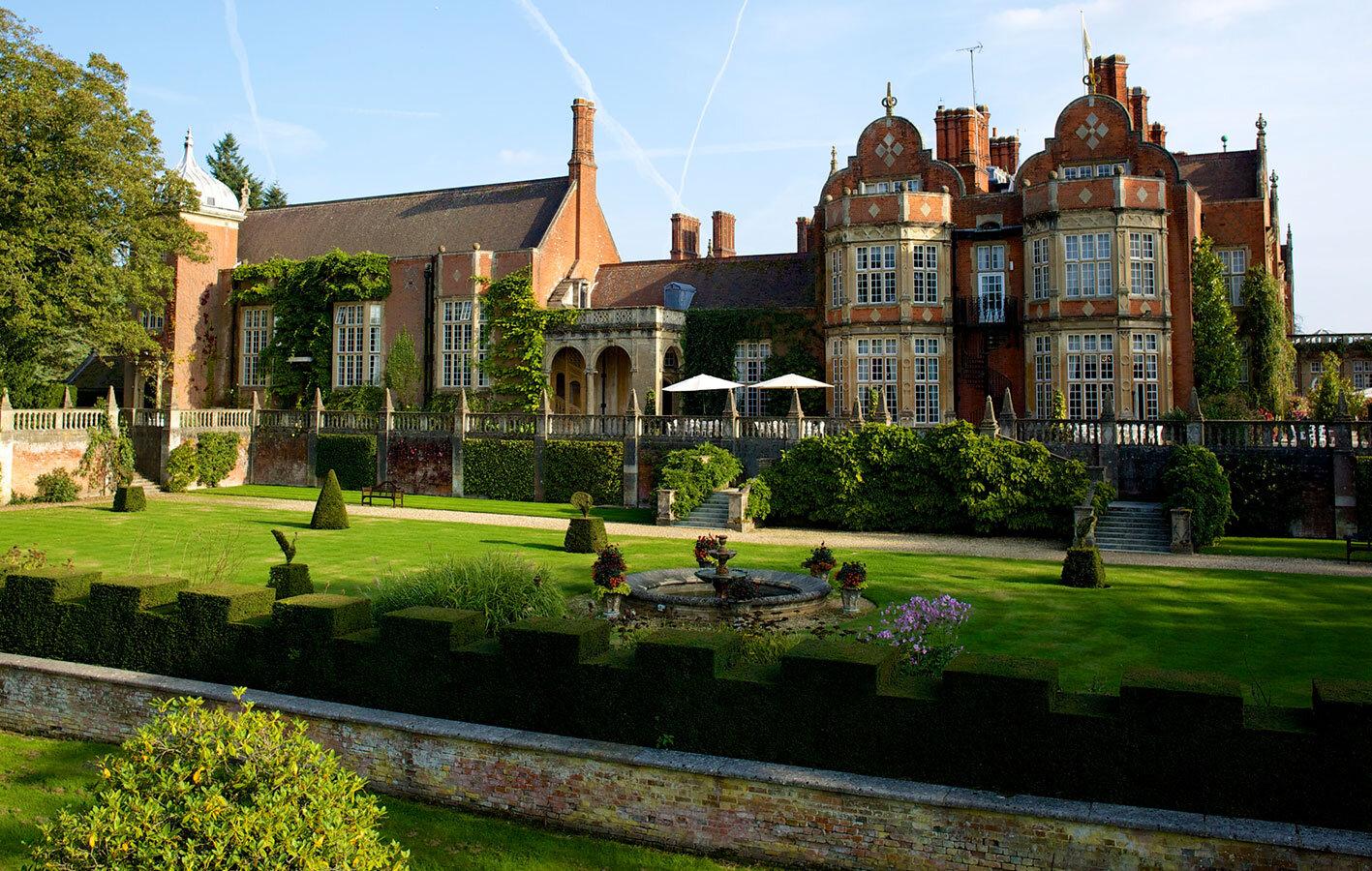 TylNey Hall -