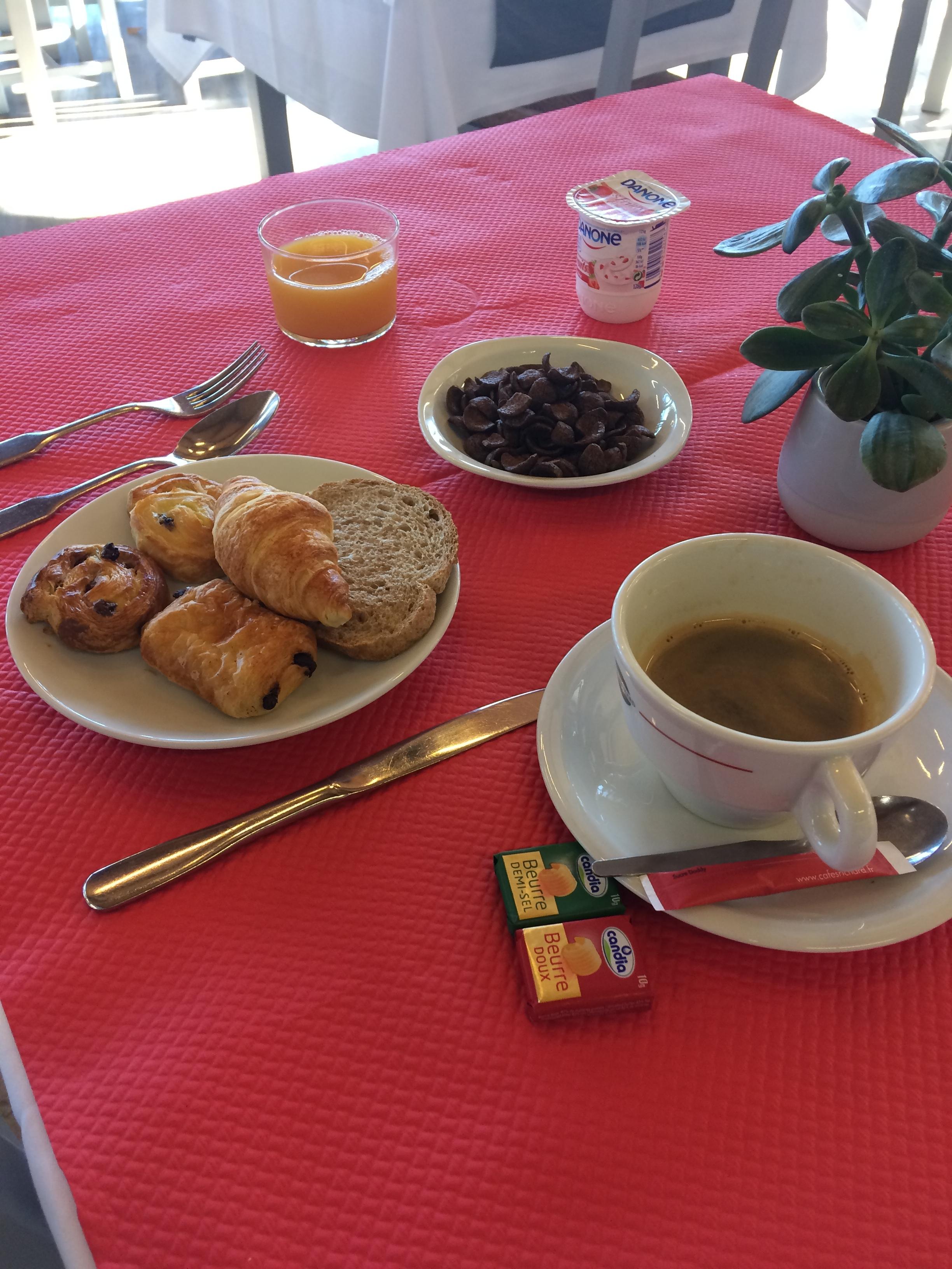 Petit-déjeuner DAX HOTEL