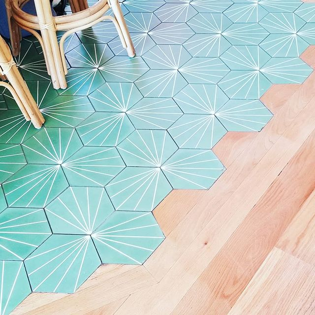 Fun, beachy, laid back and beautifully designed. Unique and creative touches like this floor everywhere☀️
