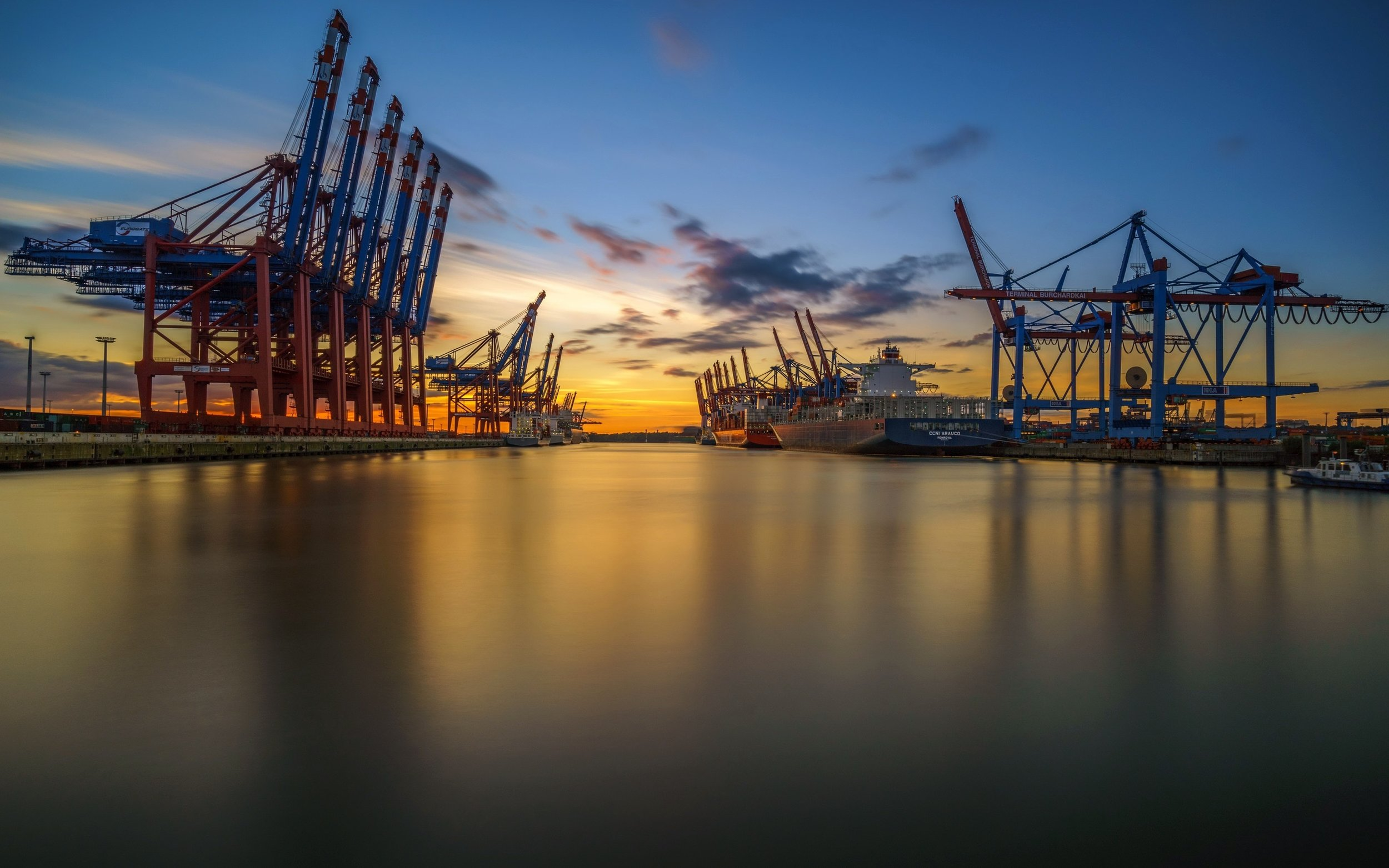 hamburg-port-cranes-sunset-cargo-ships.jpg