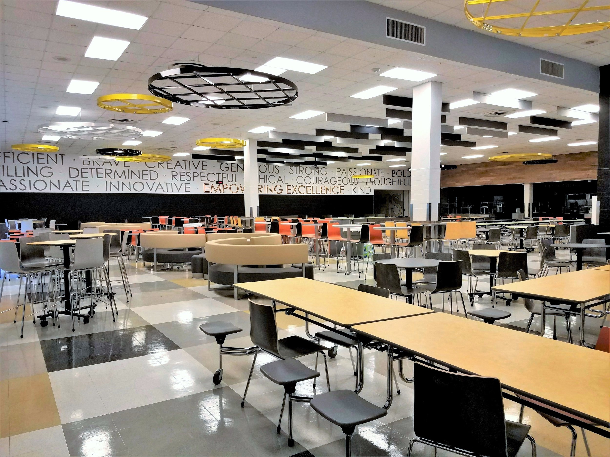 Irving_High_School_cafeteria.jpg