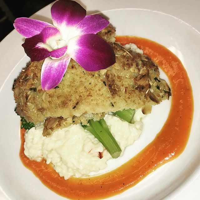 Tonights Special: Almond Crusted Yellowtail Snapper over a mouth watering Lobster Risotto, Broccolini and a Roasted Red Pepper and Tomato Vinaigrette. 😍😍 #CitronBistro #GoodEats #Yummy
