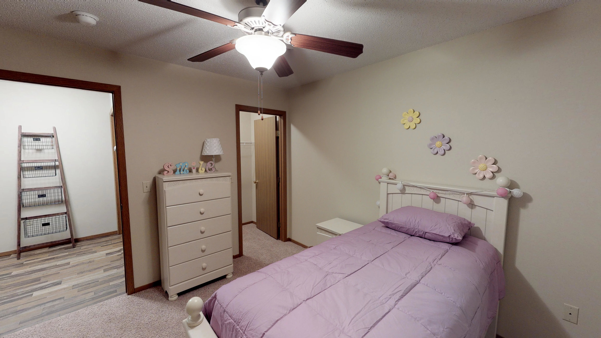 Comfortable Bedrooms with Walk-In Closets