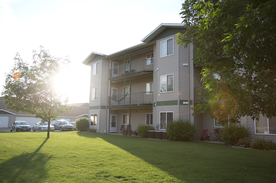 Welcome to Cottonwood Apartment Homes!