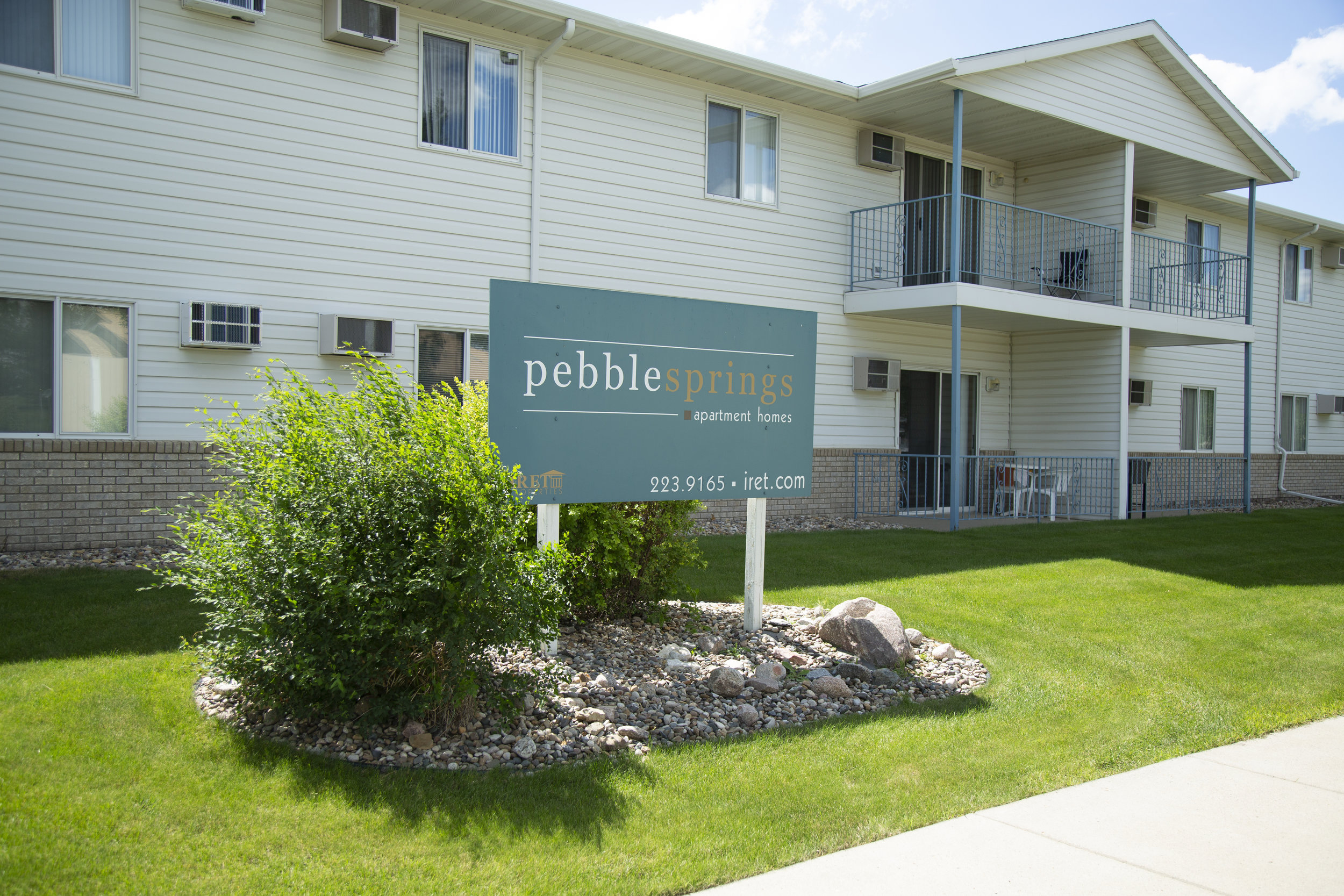 Welcome to Pebble Springs Apartments!