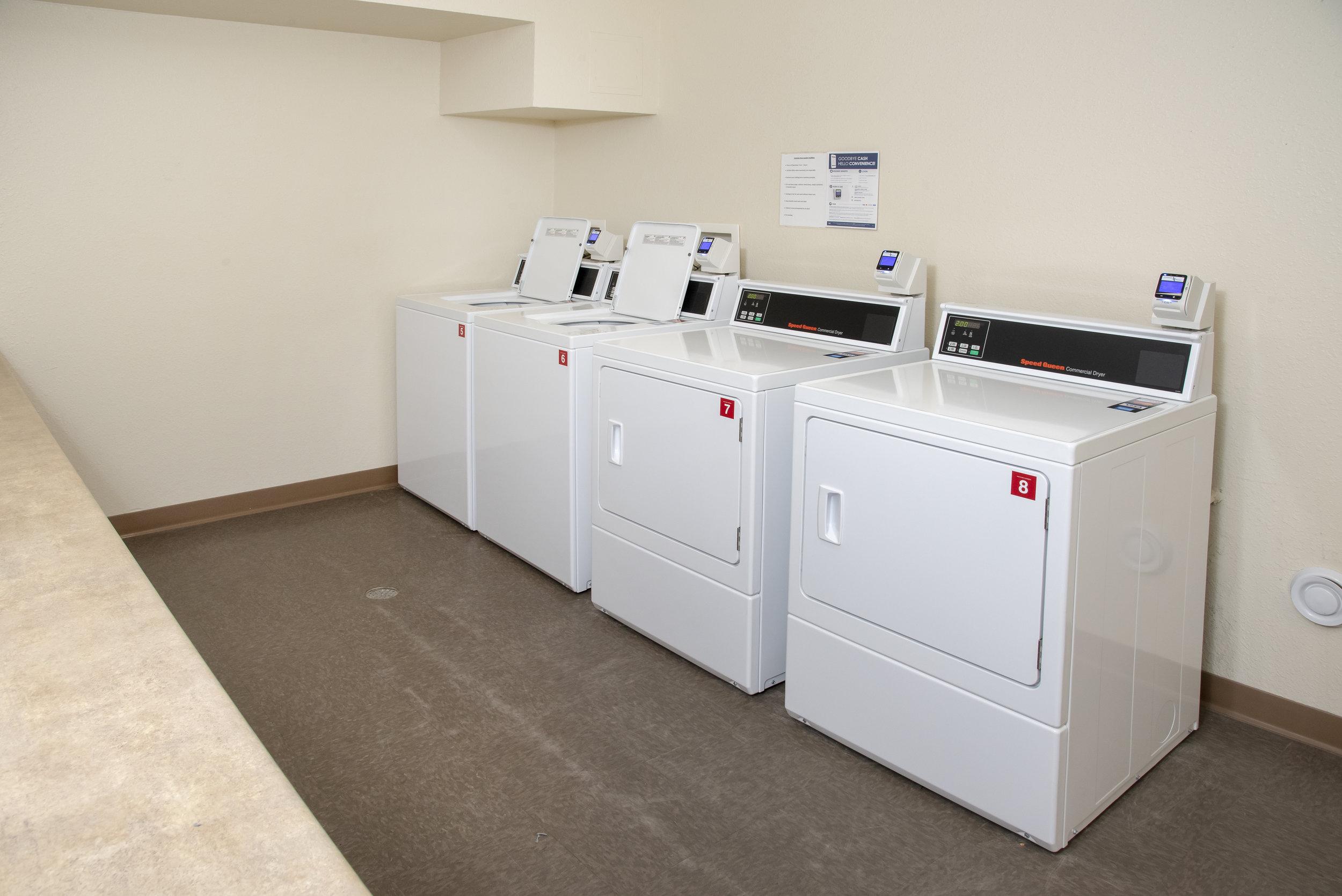 07-On-Site Coinless Laundry Facility.jpg