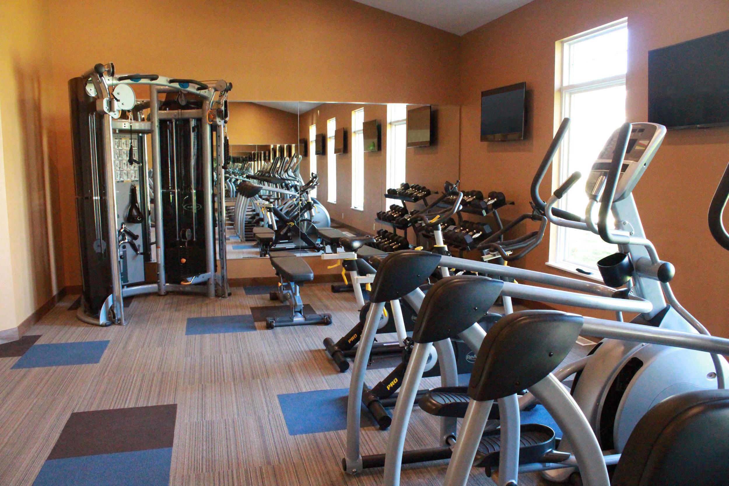 07-State of the Art 24-Hr Fitness Center.jpg