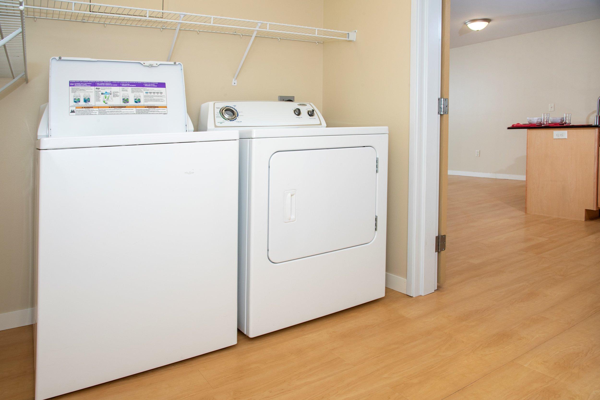 05 In-Unit Washer _ Dryer.jpg