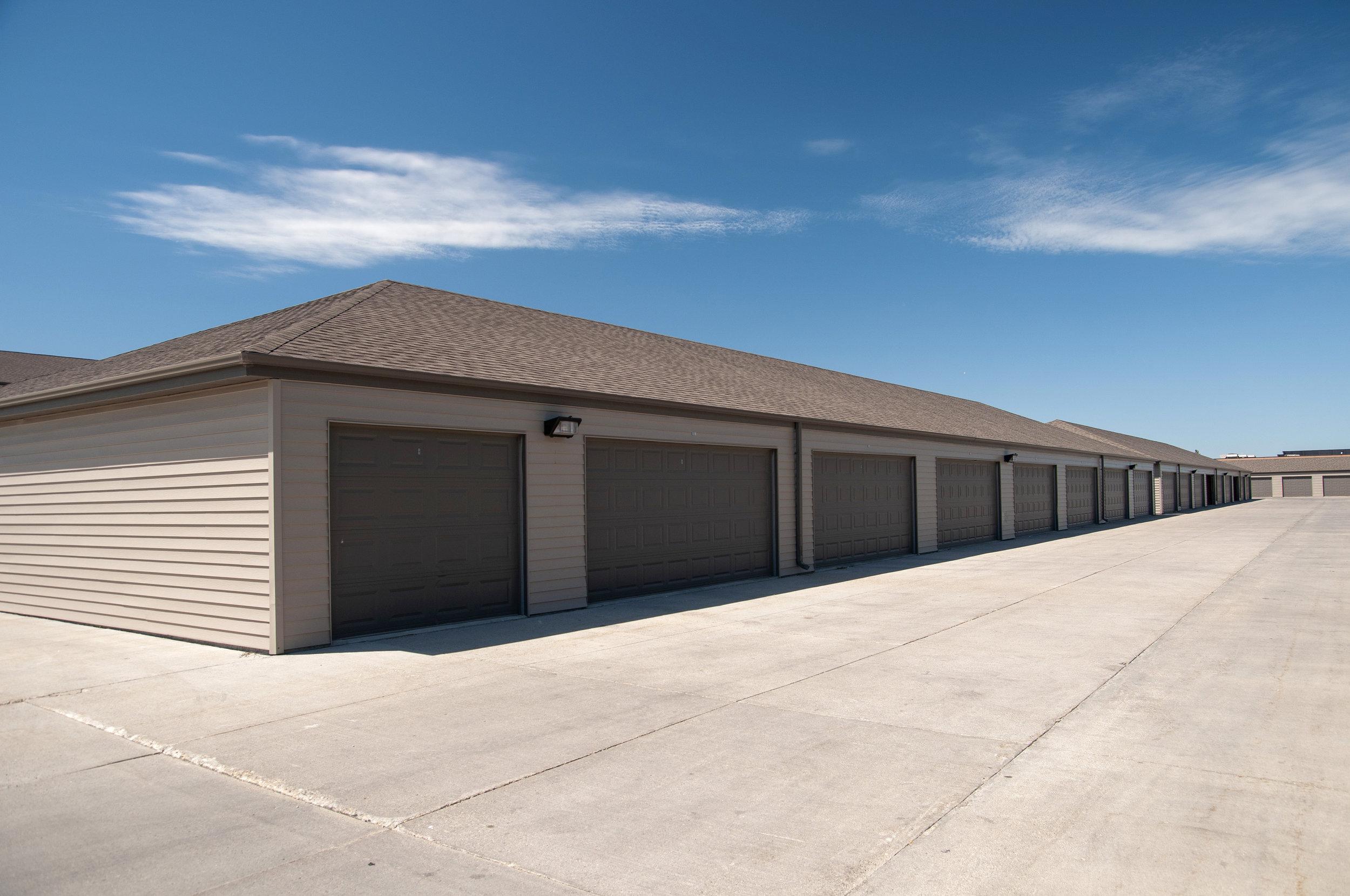 08 Detached Garage Included.jpg