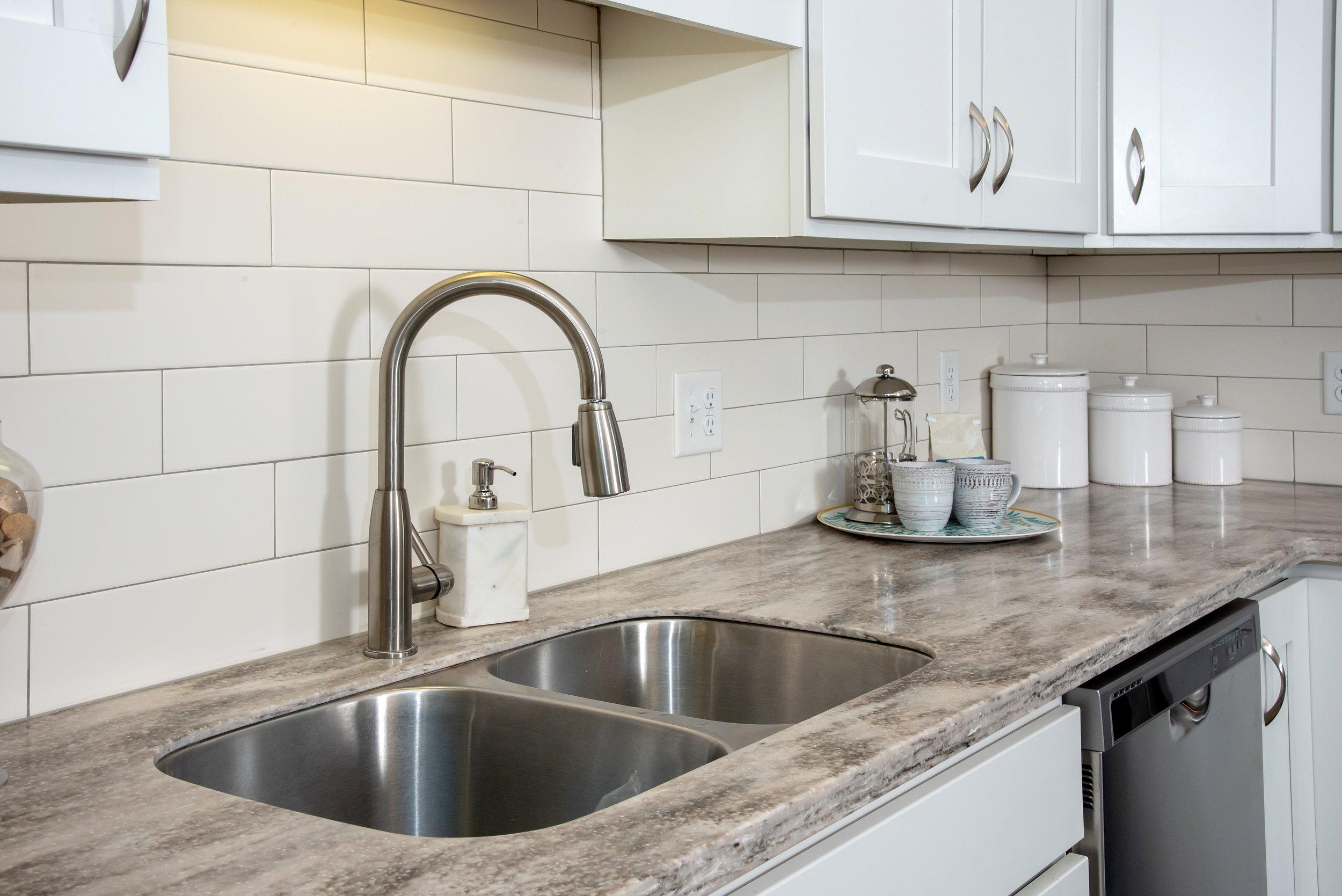 02-Granite Counter-tops _ Stainless Steel Appliances.jpg