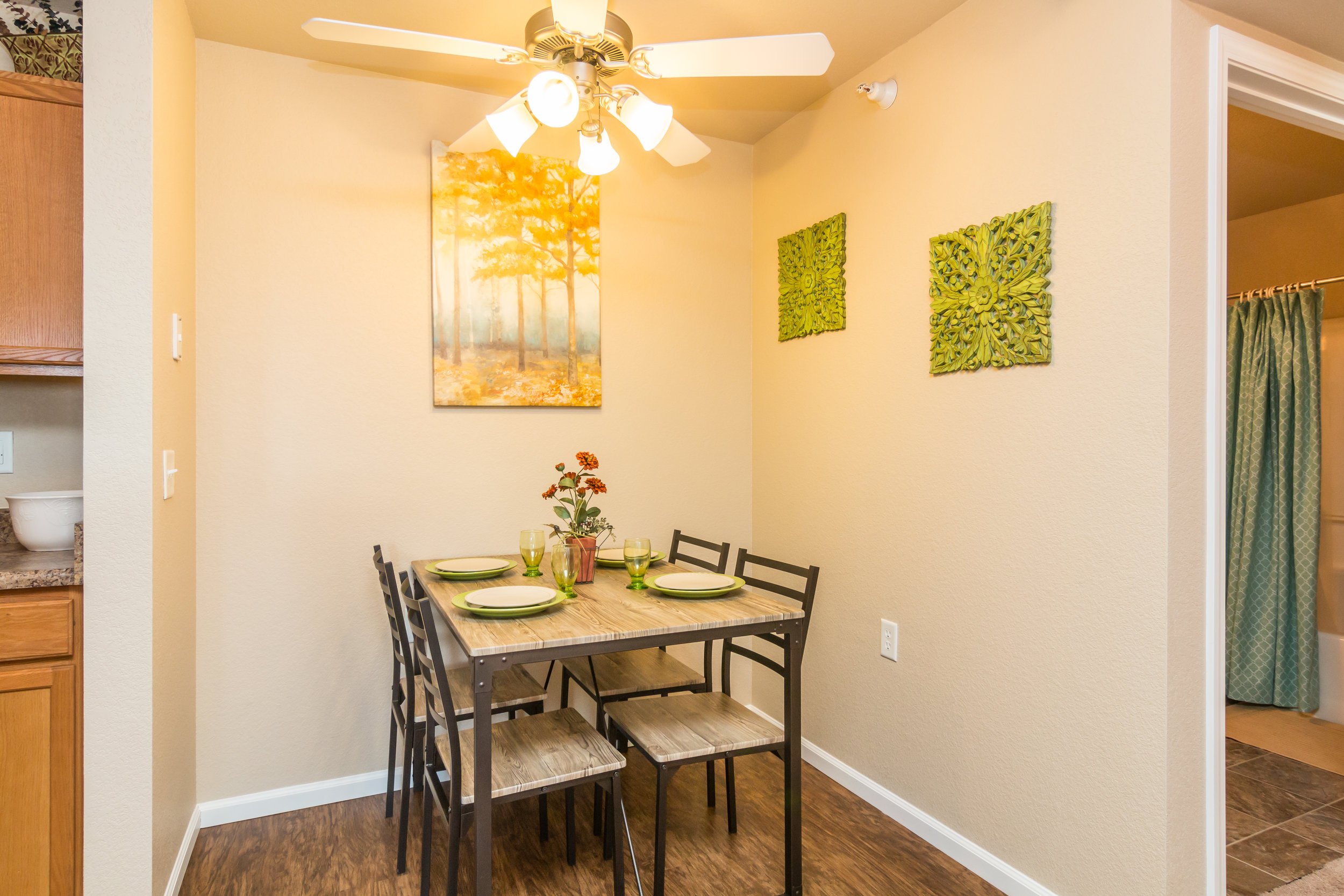 04-Great Dining Space.jpg