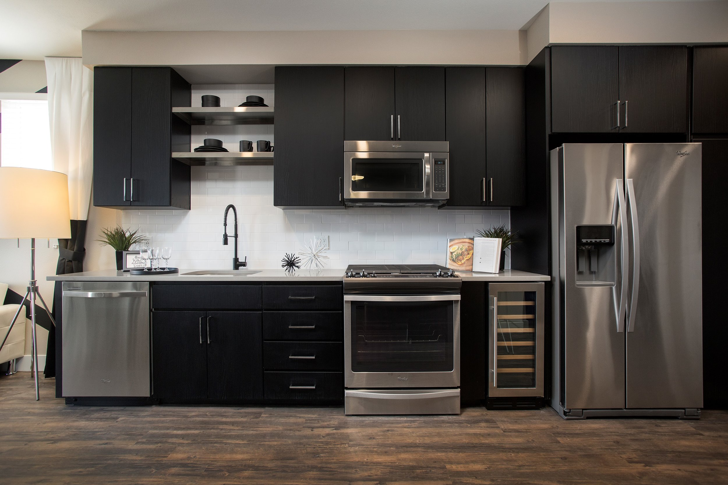04-Modern Kitchens with Quartz Countertops _ Stainless Steel Appliances.jpg