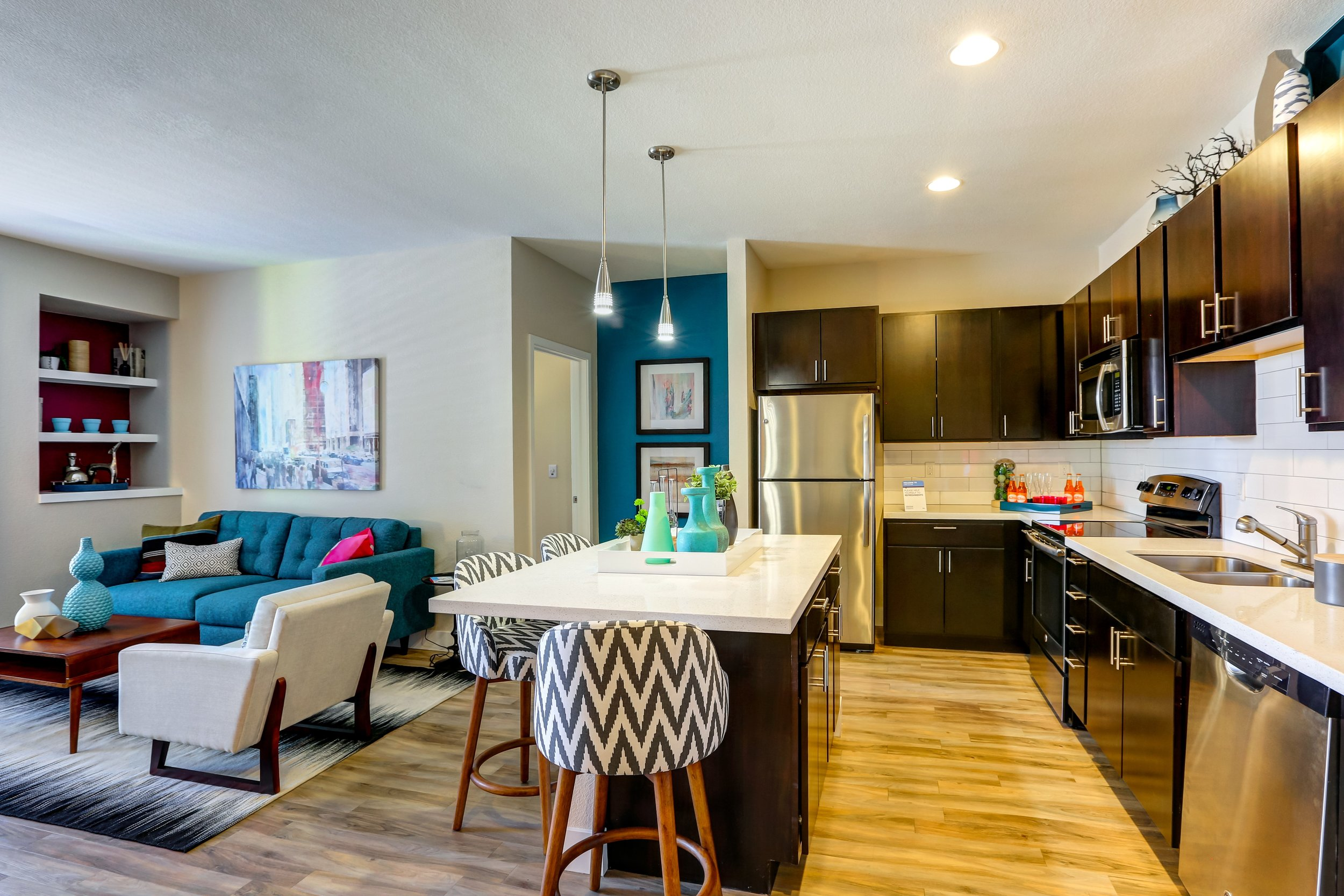 01-Welcome to Westend Apartments.jpg