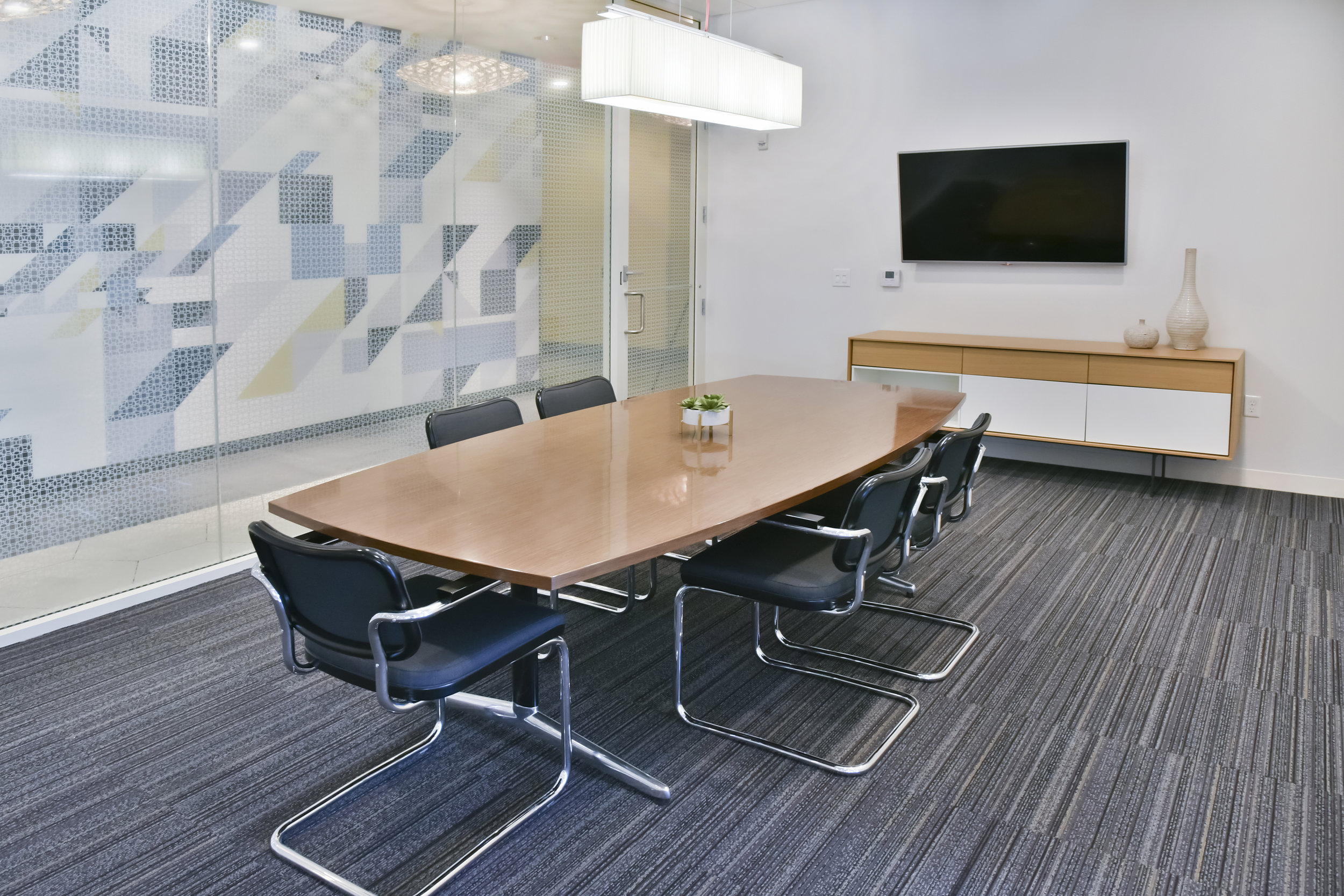 09-Private business room for you next big meeting.jpg