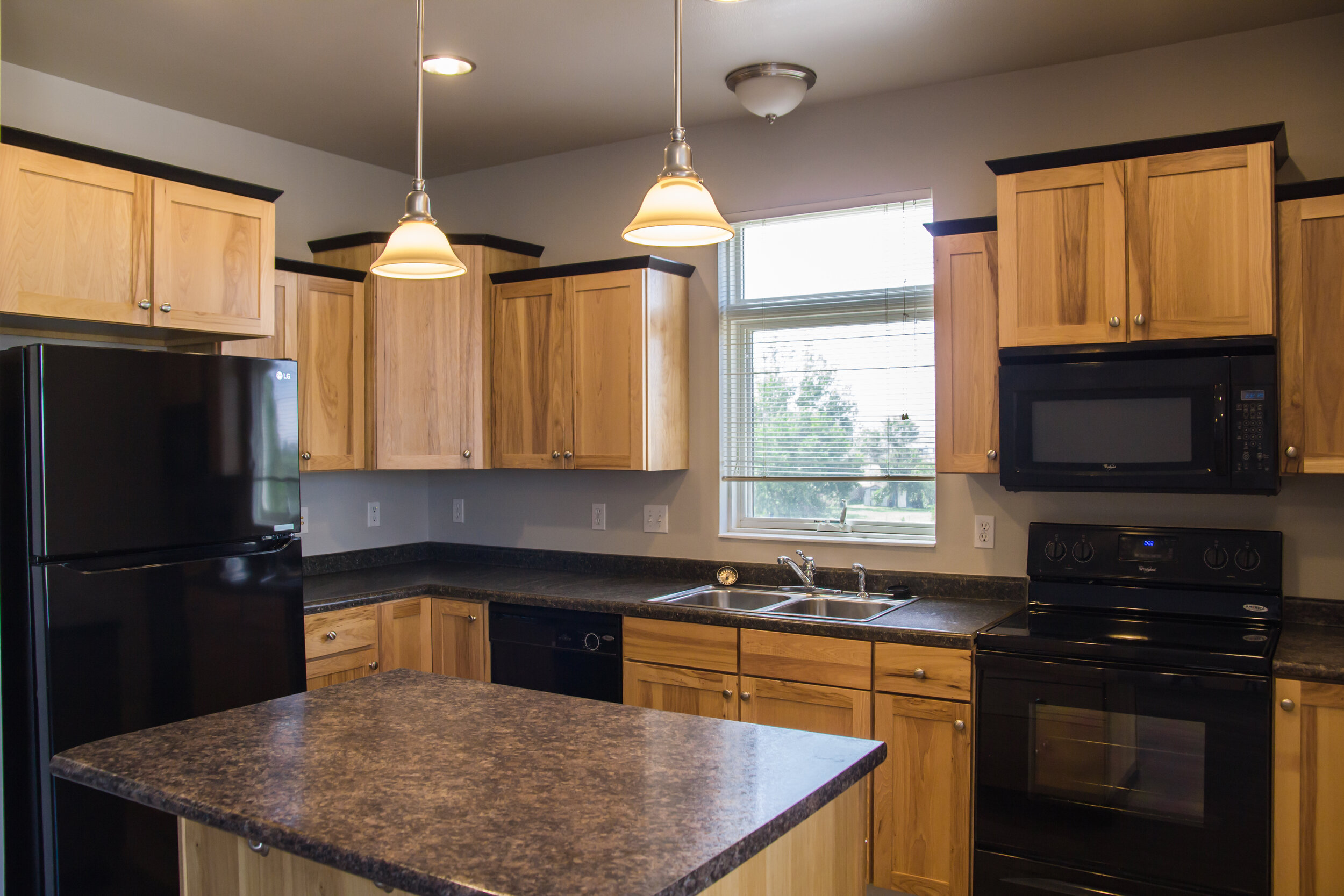 02 Stylish Kitchens with Center Island.jpg