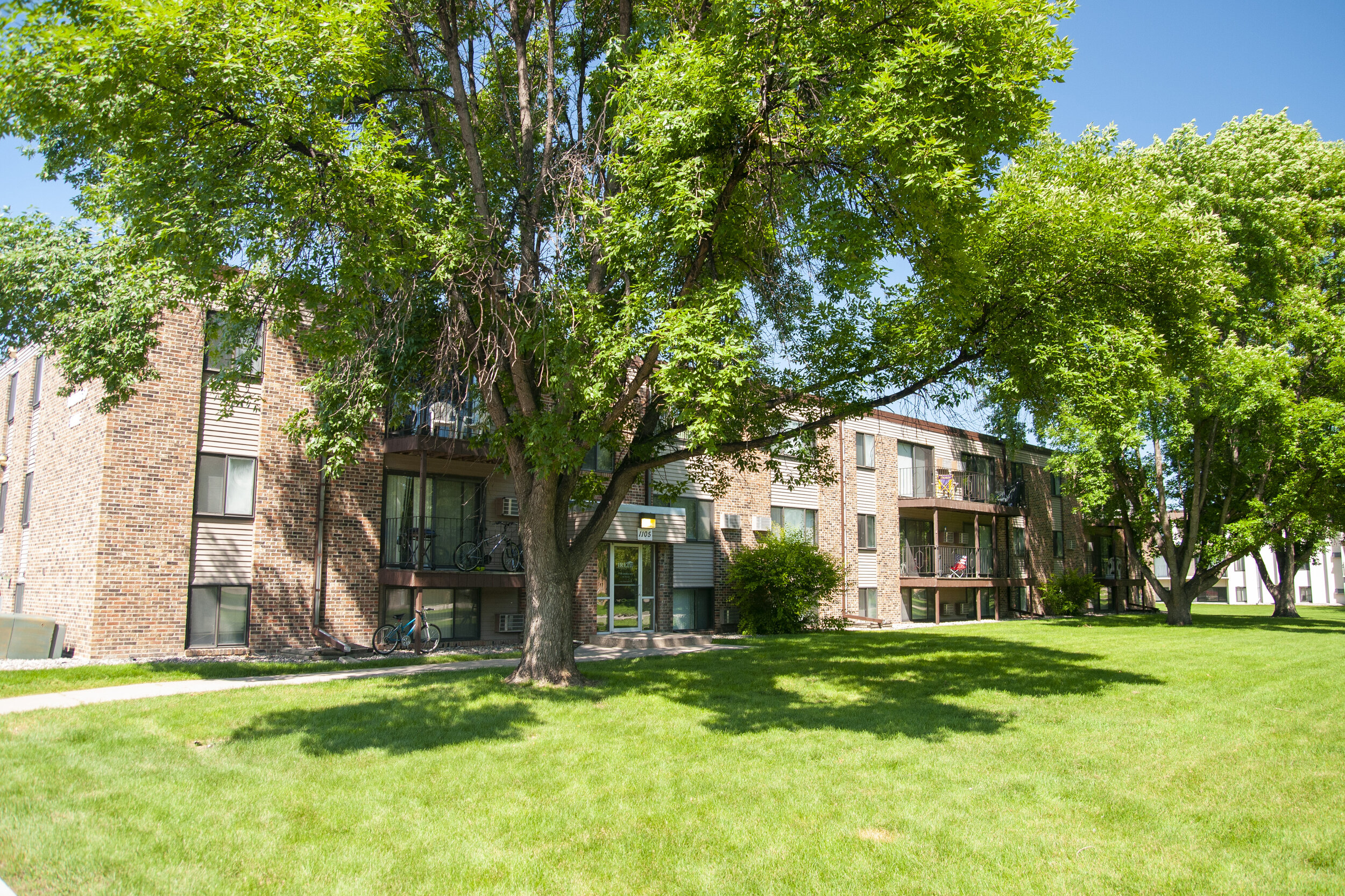 01 Convenient Affordable Living at Landmark Estate Apartments.jpg