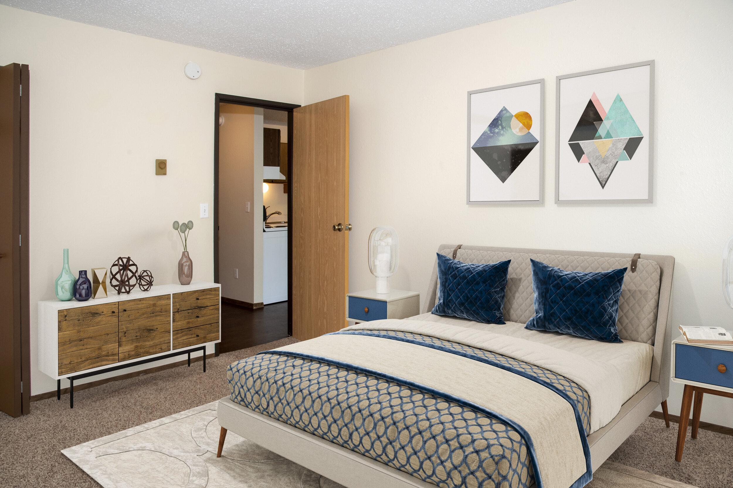 04 Large Bedroom.jpg