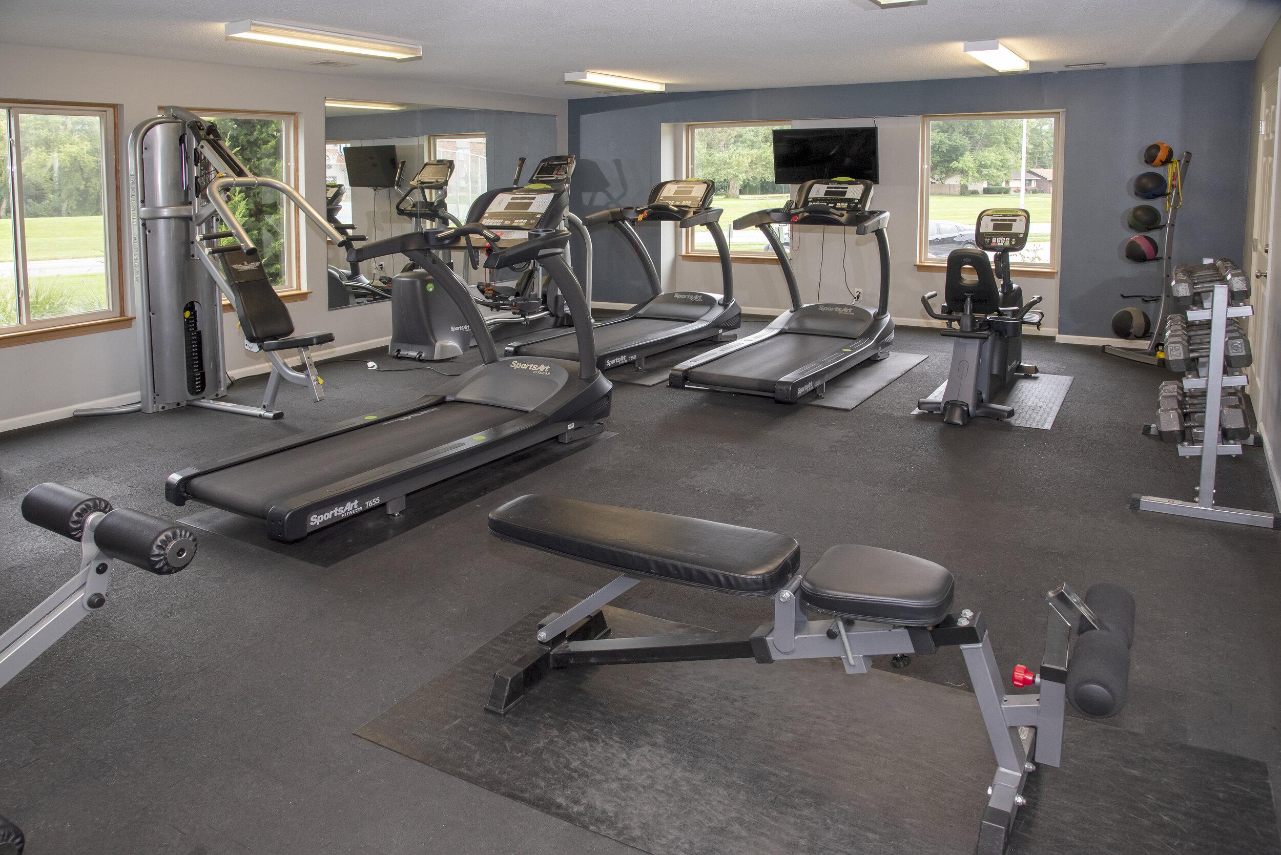 09 Convenient 24-Hr Fitness Center.jpg