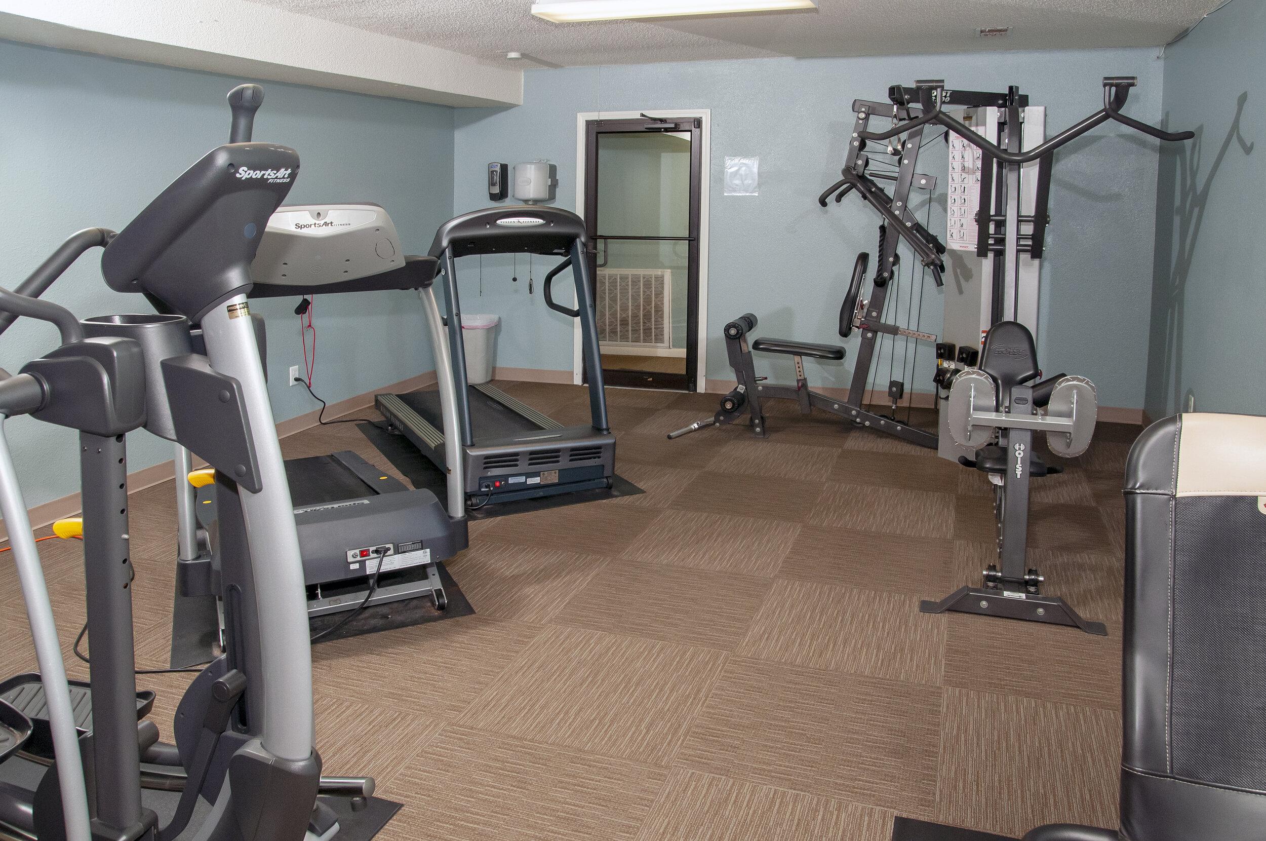 09 Onsite 24-Hr Fitness Center.jpg