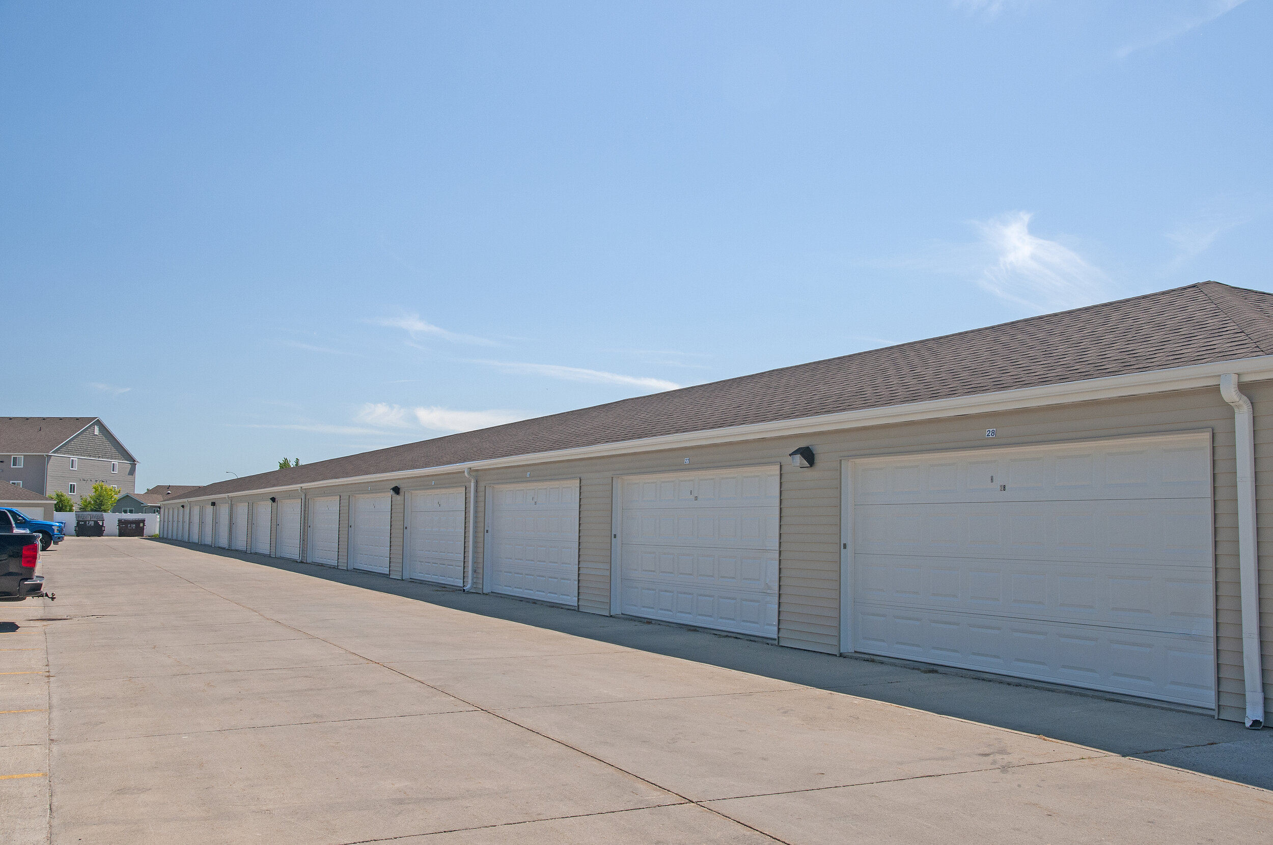10 Garages Available.jpg