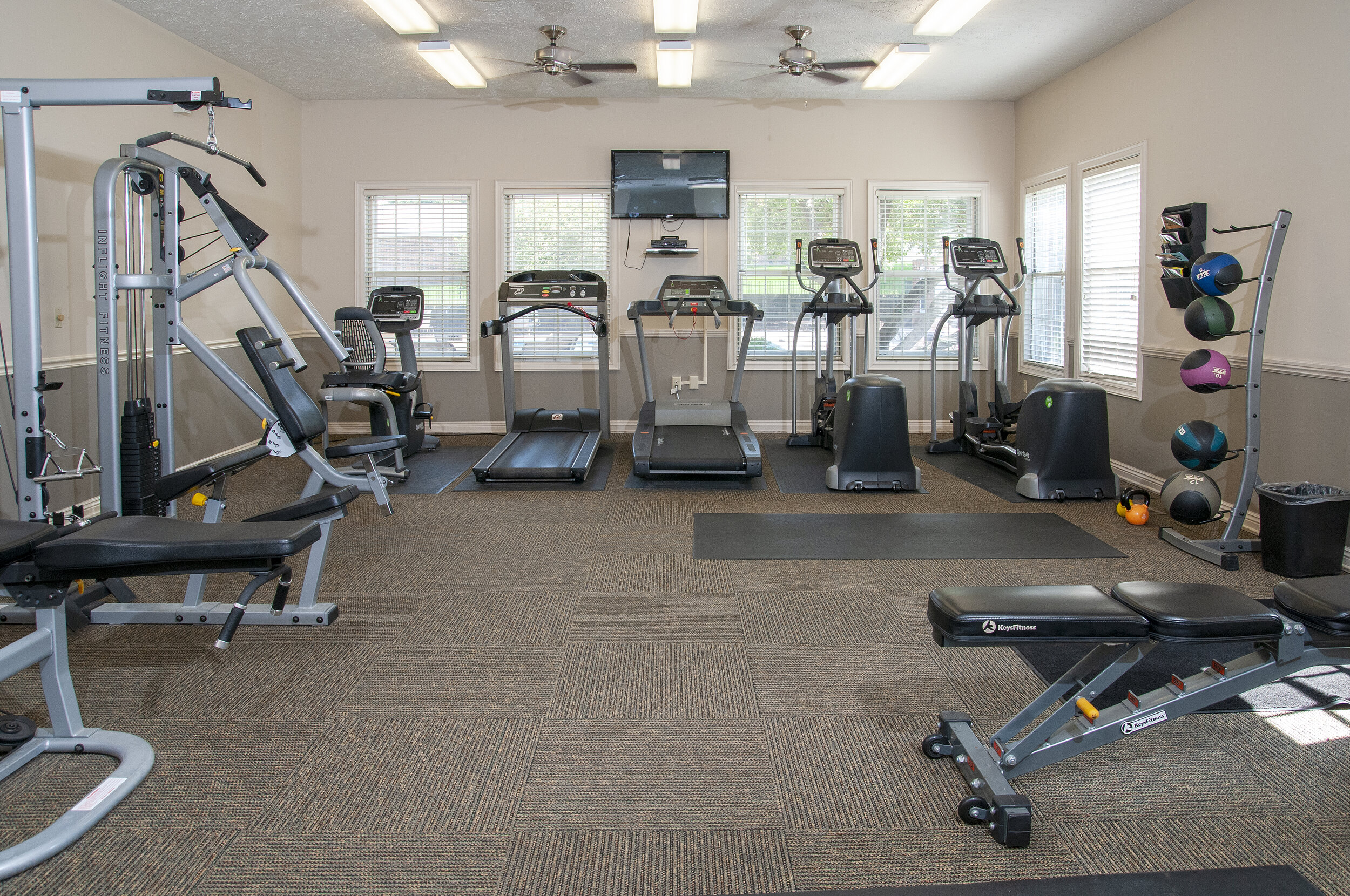 09 Convenient 24-Hr Fitness Center.jpg