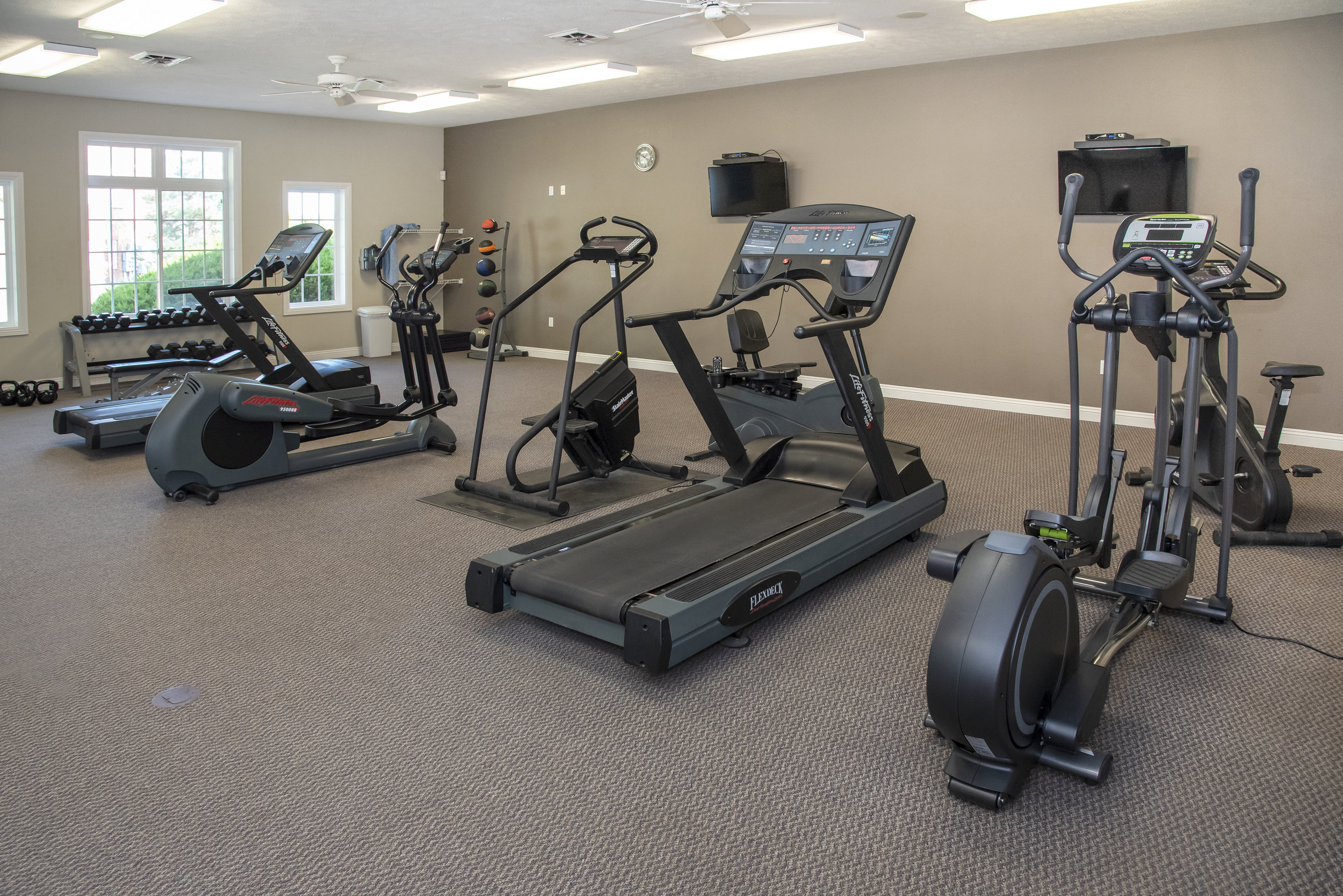10 Convenient 24-Hr Fitness Center.jpg