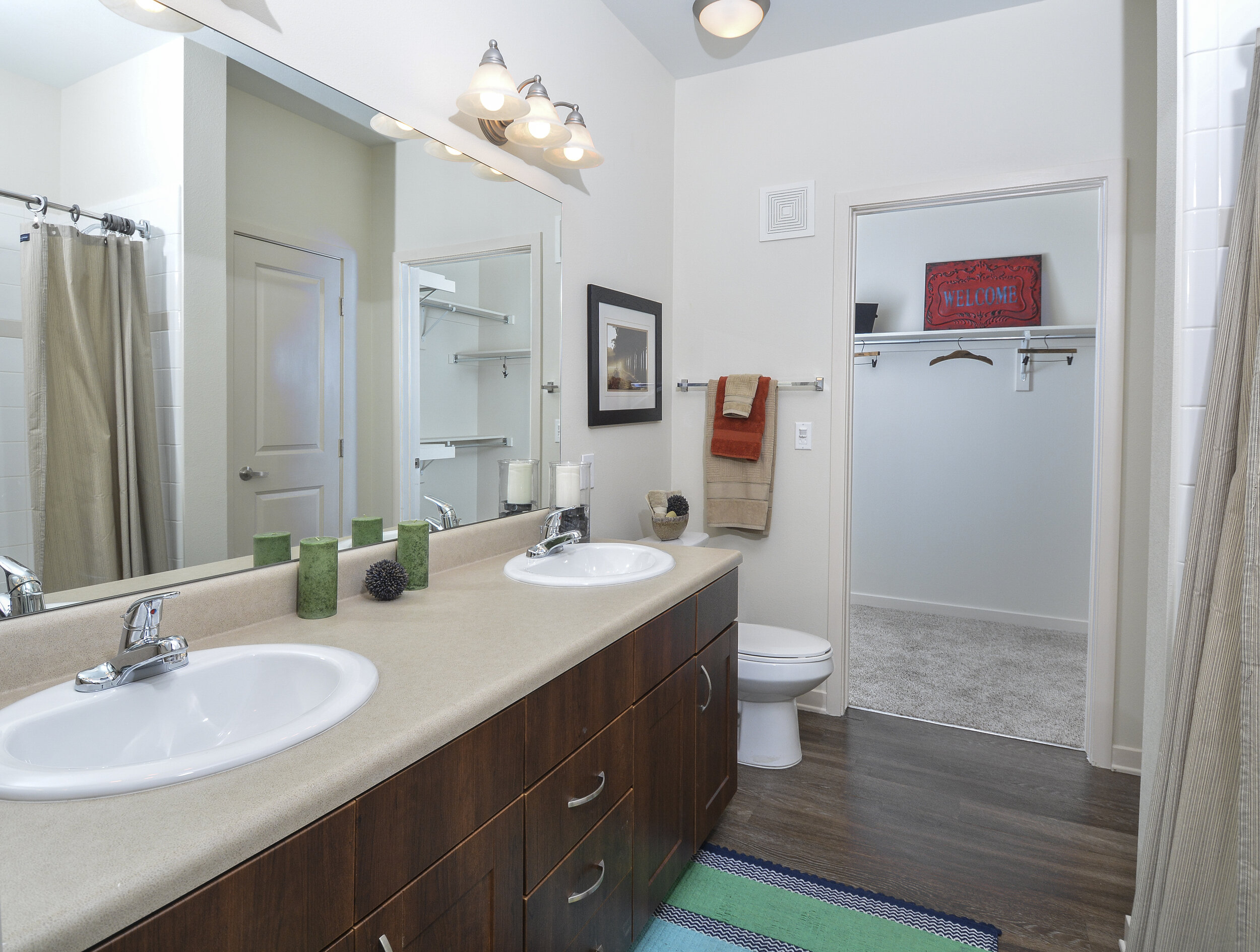 08-Stylish Bathrooms Feature Quartz Bath Countertops.jpg