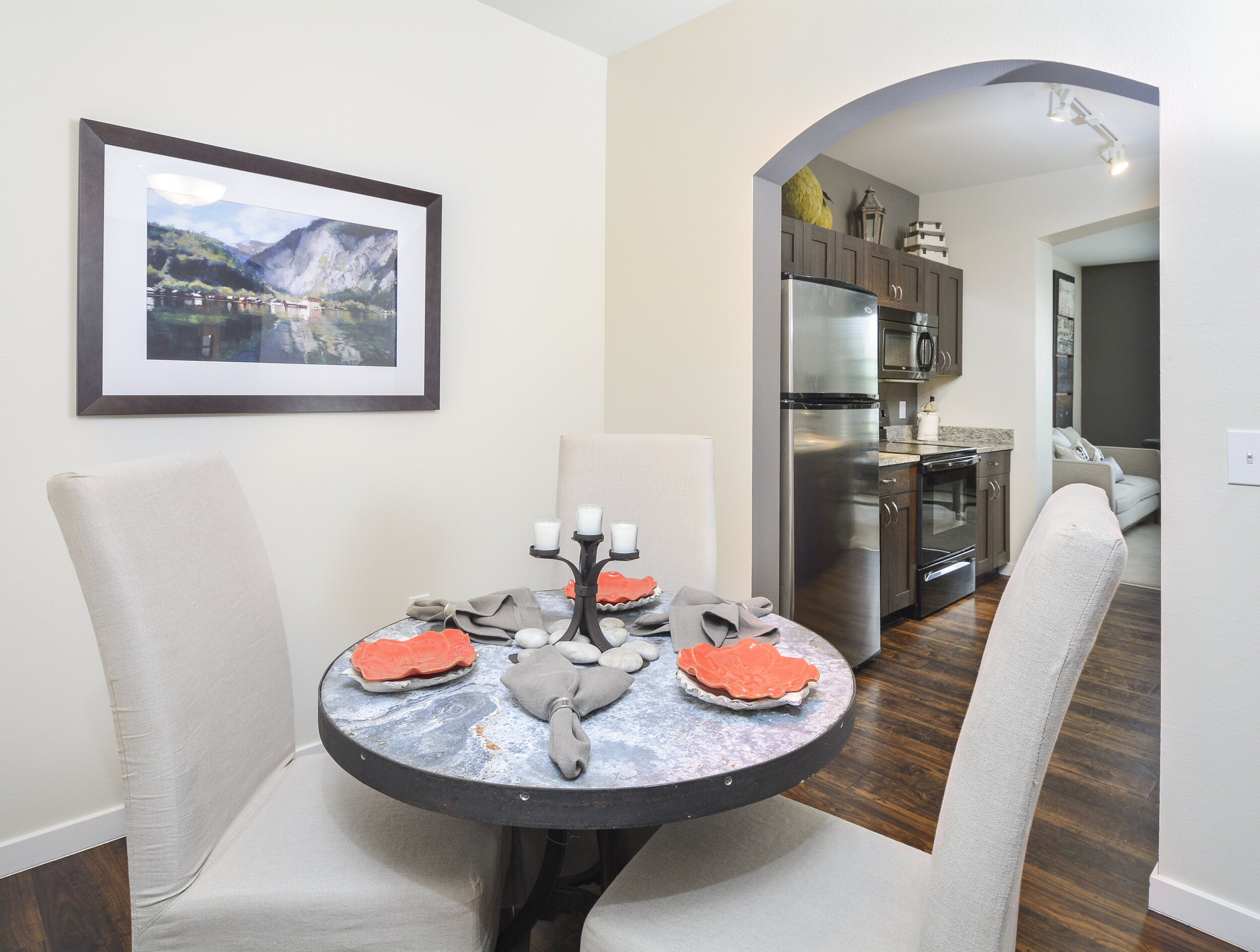 05 Select Units Include Seperate Dining Rooms.jpg