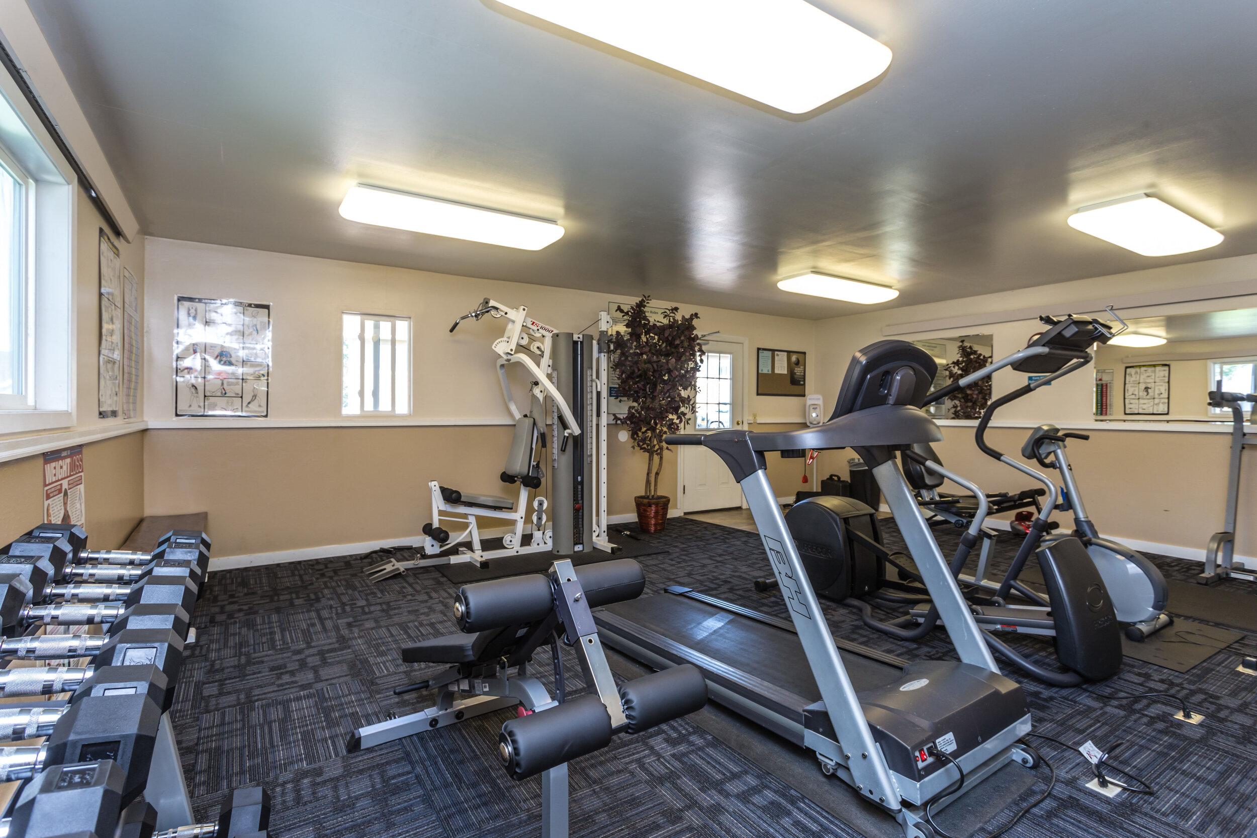 FitnessCenter2.jpg