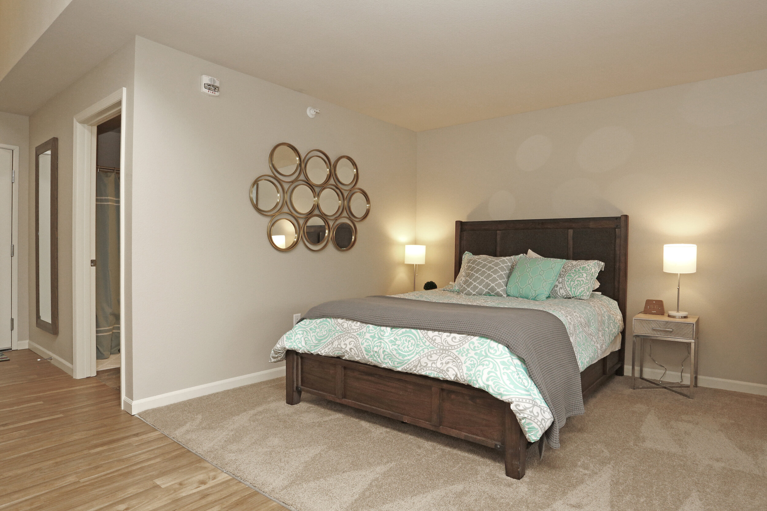 07 Furnished Guest Suites are also Avaiable.jpg
