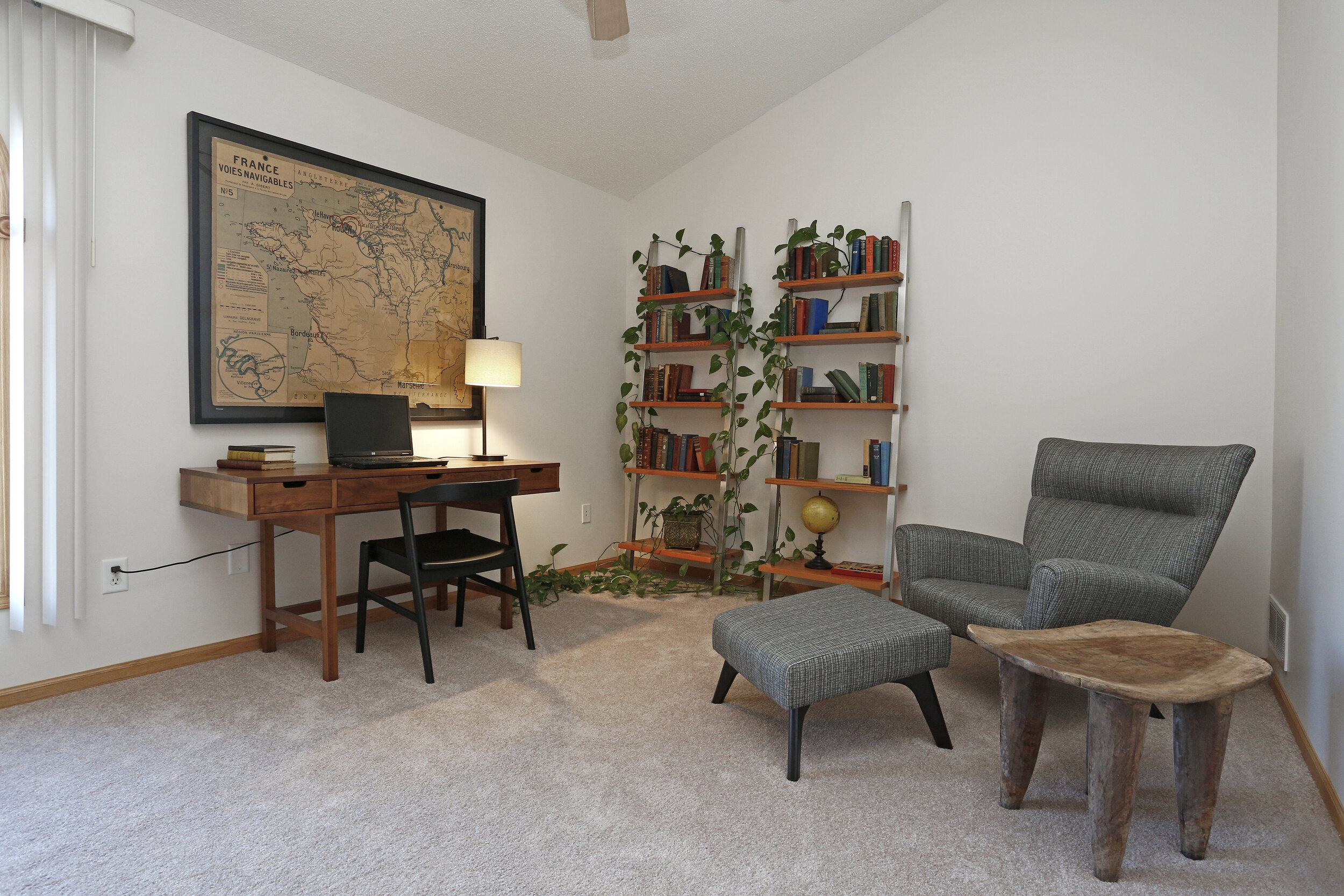 Spacious Bedrooms or Offices