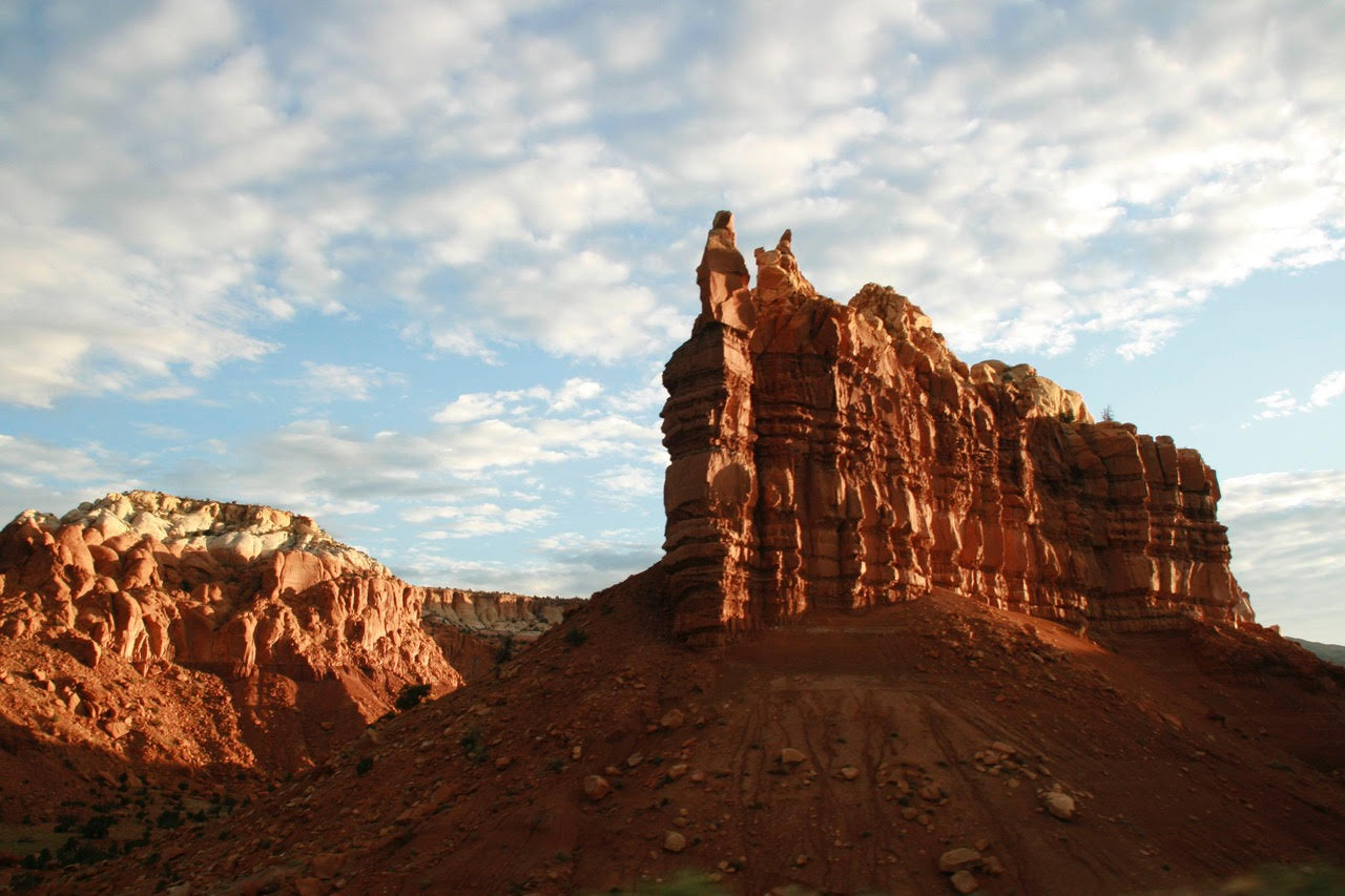 Ghost_Ranch_redrock_cliffs_clouds-2.jpg