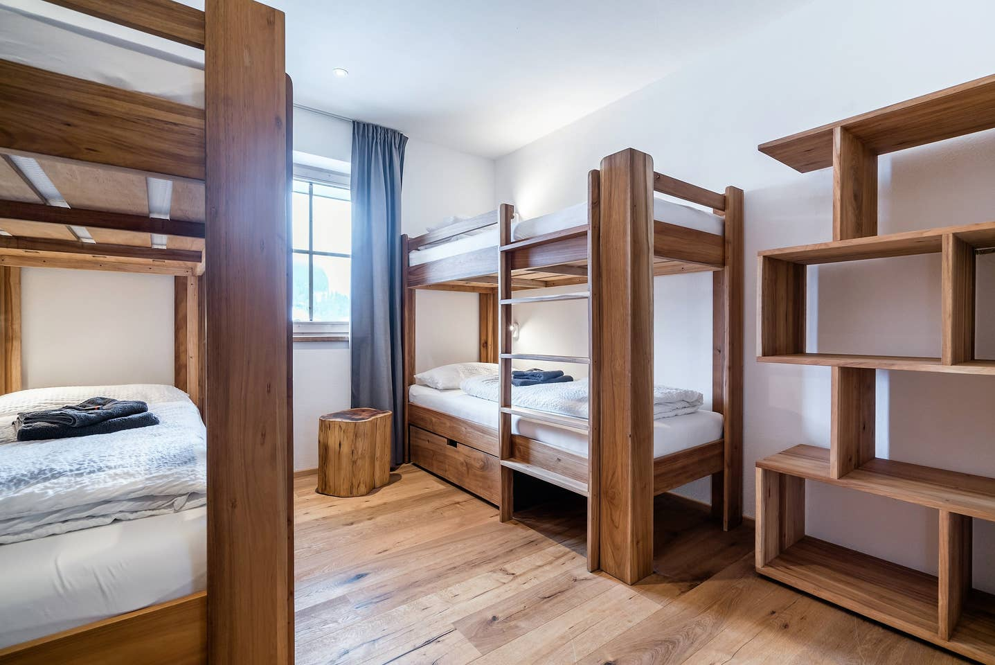 Single Booking - Bunk bed (room as pictured - own bathroom with shower and sink, toilet shared with 1 other room)*only 2 spots left!460 € per person