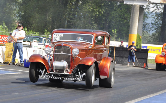 Ed Loewen's '32 Ford Tudor Hot Rod