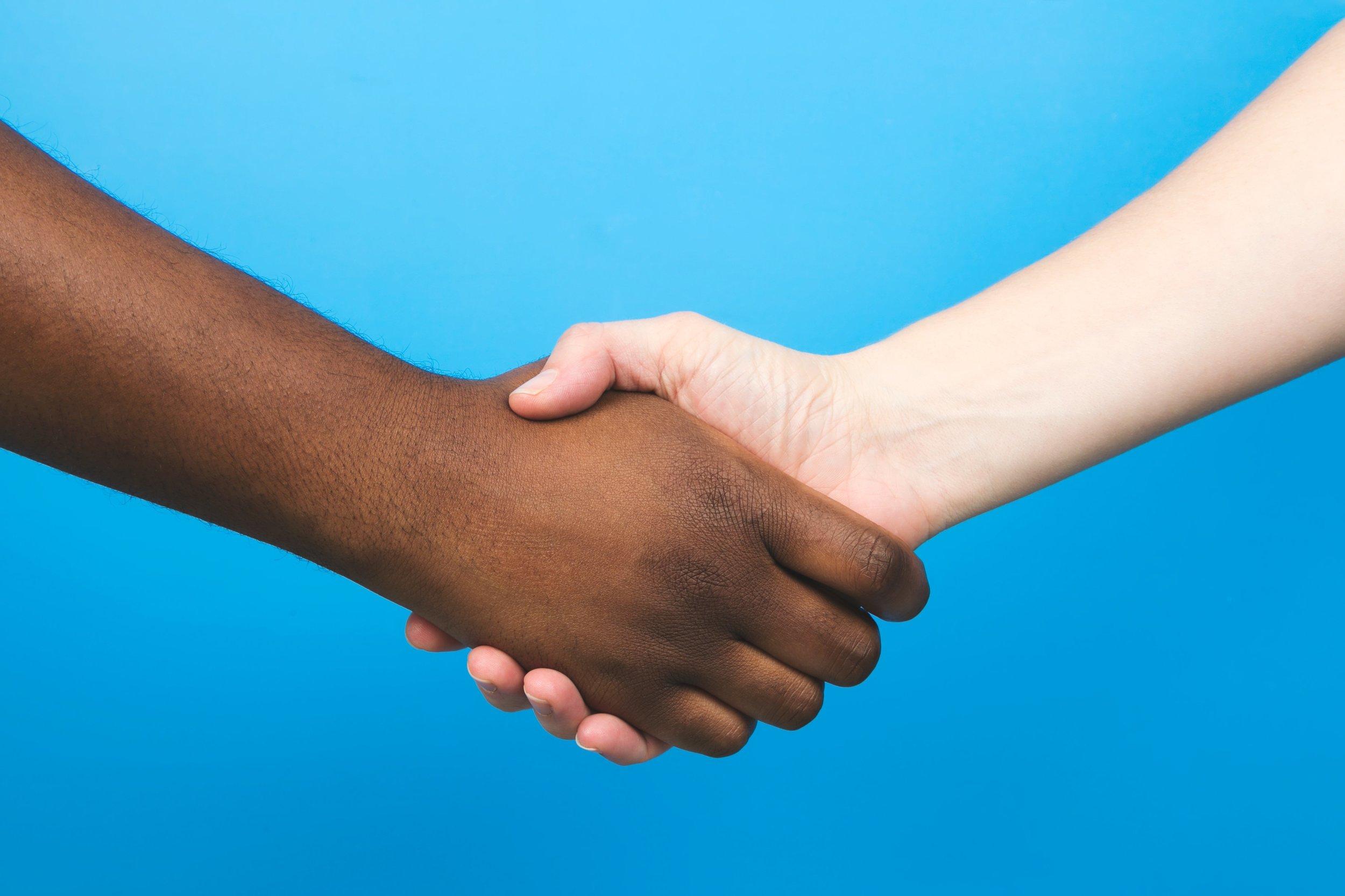 Business-alliance-handshake