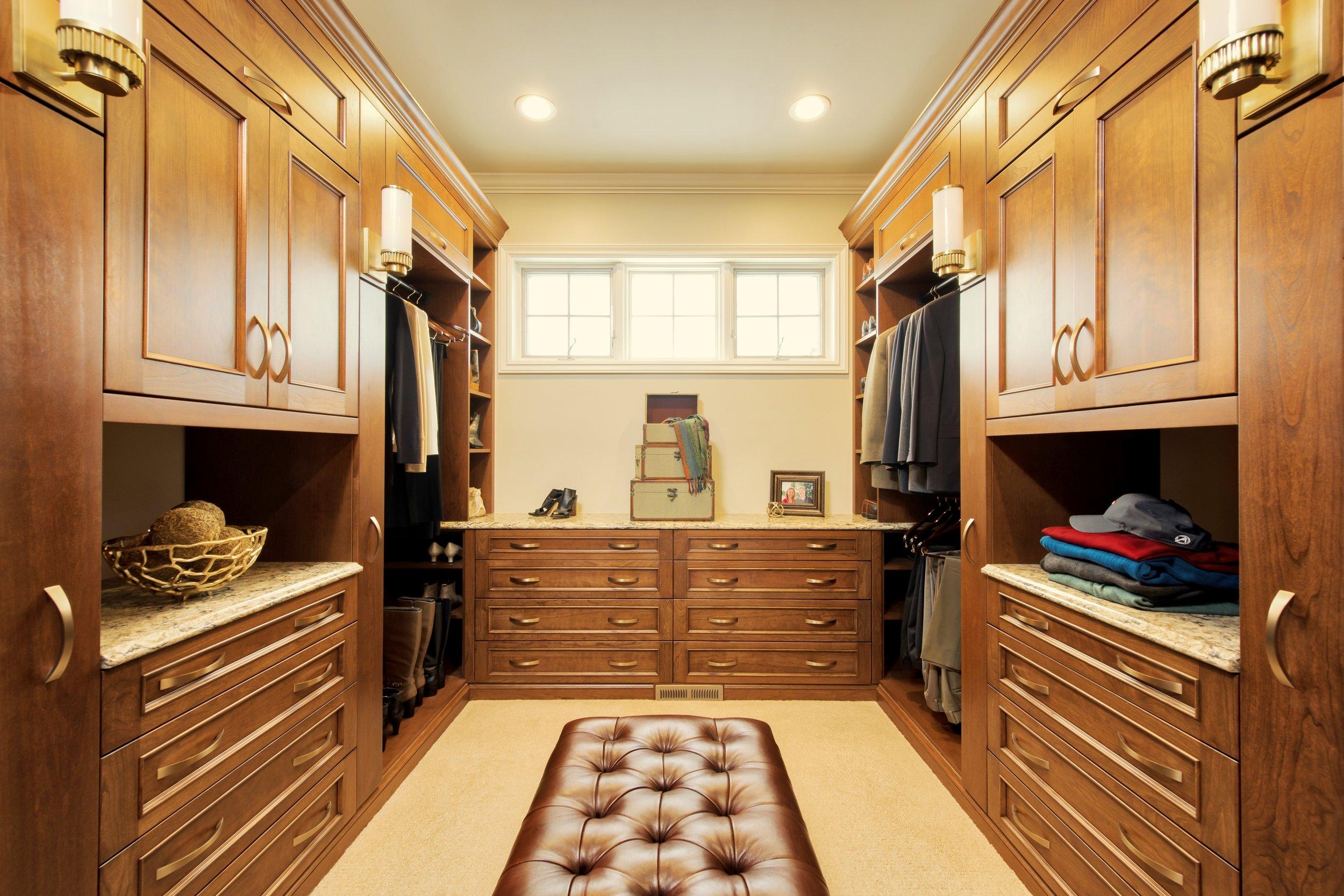 Mingle Closet.jpg