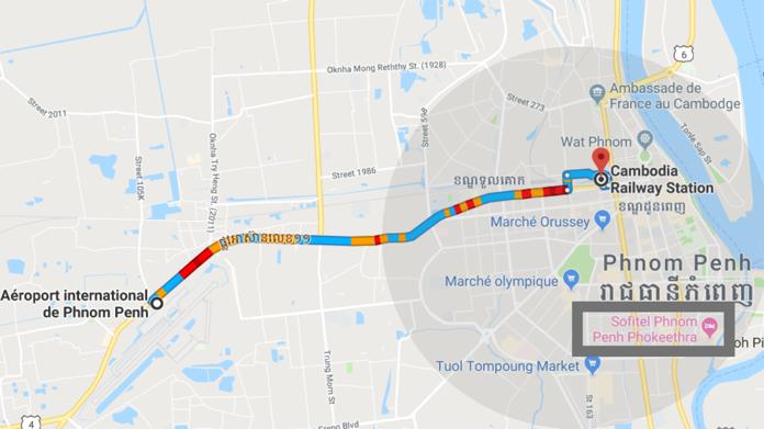 L'itinéraire éco-responsable - Depuis 2018, le « Royal Railway Cambodia » a mis en place un service ferroviaire vous permettant de vous déplacer de l'aéroport au centre-ville pour environ 0,30 USD en 30 minutes. Veuillez au préalable vérifier les horaires de train et le nombre disponible de siège sur ce lien : http://royalrailway.easybook.com, puis réservez. Arrivé au «Cambodia Railway Station», commandez un rickshaw-taxi via Grab (avec le code promo « [XXX] »). Moins polluant qu'une voiture car alimentée au gaz naturel, le rickshaw-taxi vous emmènera où vous le souhaitez en centre-ville.
