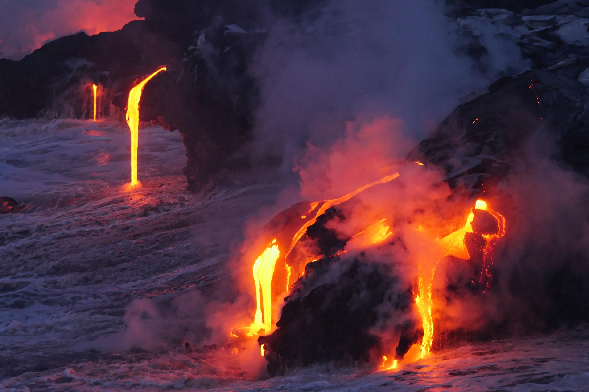 ハワイ島   今なお活動し続ける火山の島