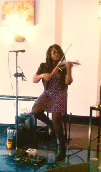 Small Spaces - For this event, I was performing a solo set of 2-3 hours (electric violin and vocal) for a Sunday Brunch. There was very limited space and I was setup in a small space between the kitchen door entrance and the stairs. And because there were guests dining directly in front of me, it was best to have just one powered speaker in back of me so that I could hear myself and the guests could hear the music but not be overwhelmed by loud music. The mixer is sitting directly on top of the speaker and my effects pedal is by my feet for easy access. Since I had my microphone for vocals, I was able to mount my ipad comfortably on the mic stand.This is an ideal setup for any small space for up to 50 guests.