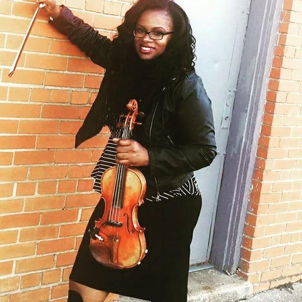 Sai Harley Acoustic Violinist