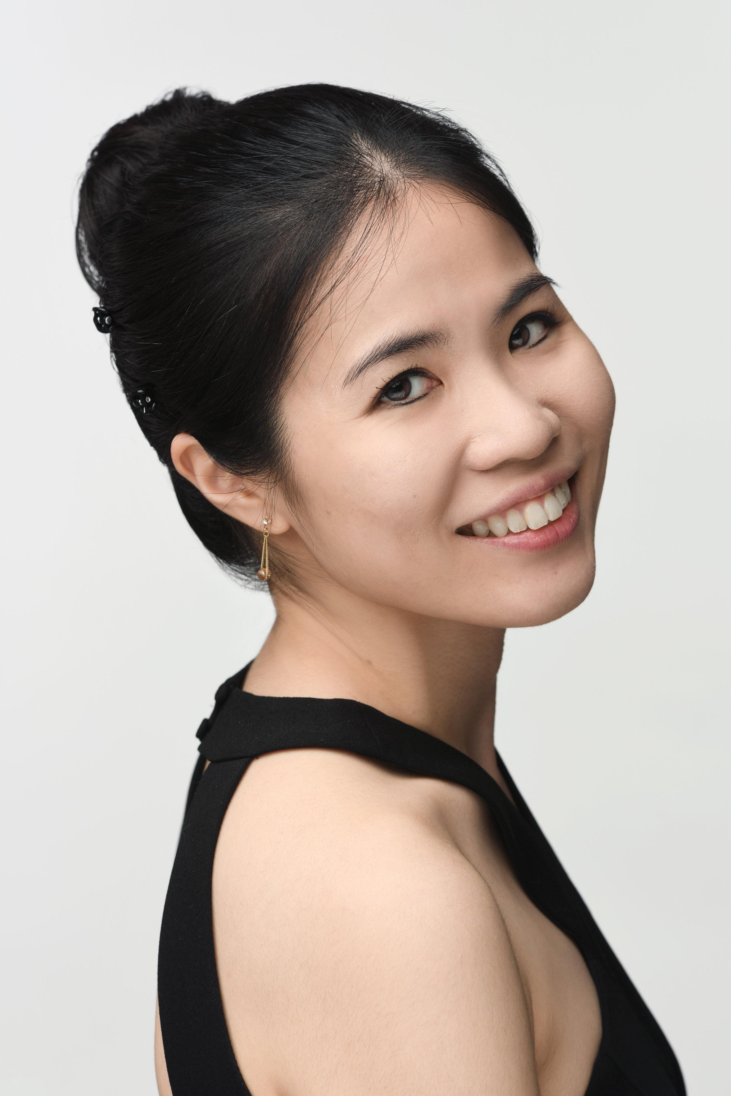 Mika Sasaki, piano