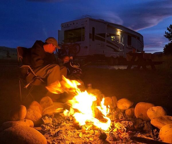 Save electricity at night, build a campfire!