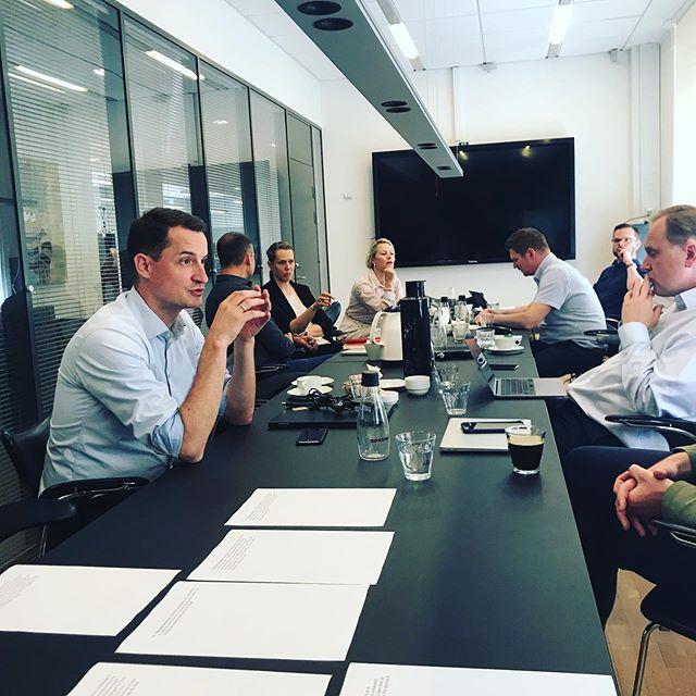 Många fina idéer på bordet när nextarna workshopar tillsammans med danska finanstidningen Børsen! Idéerna processas in i våra konceptmallar innan innovationarbetet tar nästa spännande steg!