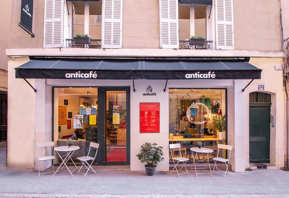 KeyNest key exchange cafe in France