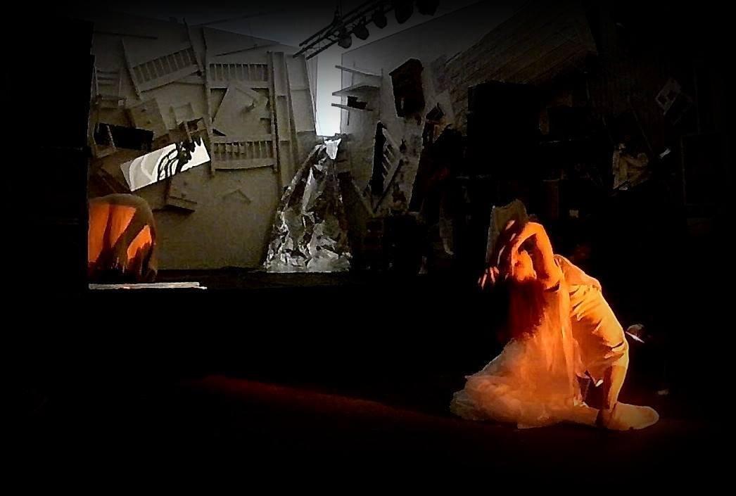 LAMP - Movement, Light and Sound with Ewa Limanówka and Francesc Serra Vila
