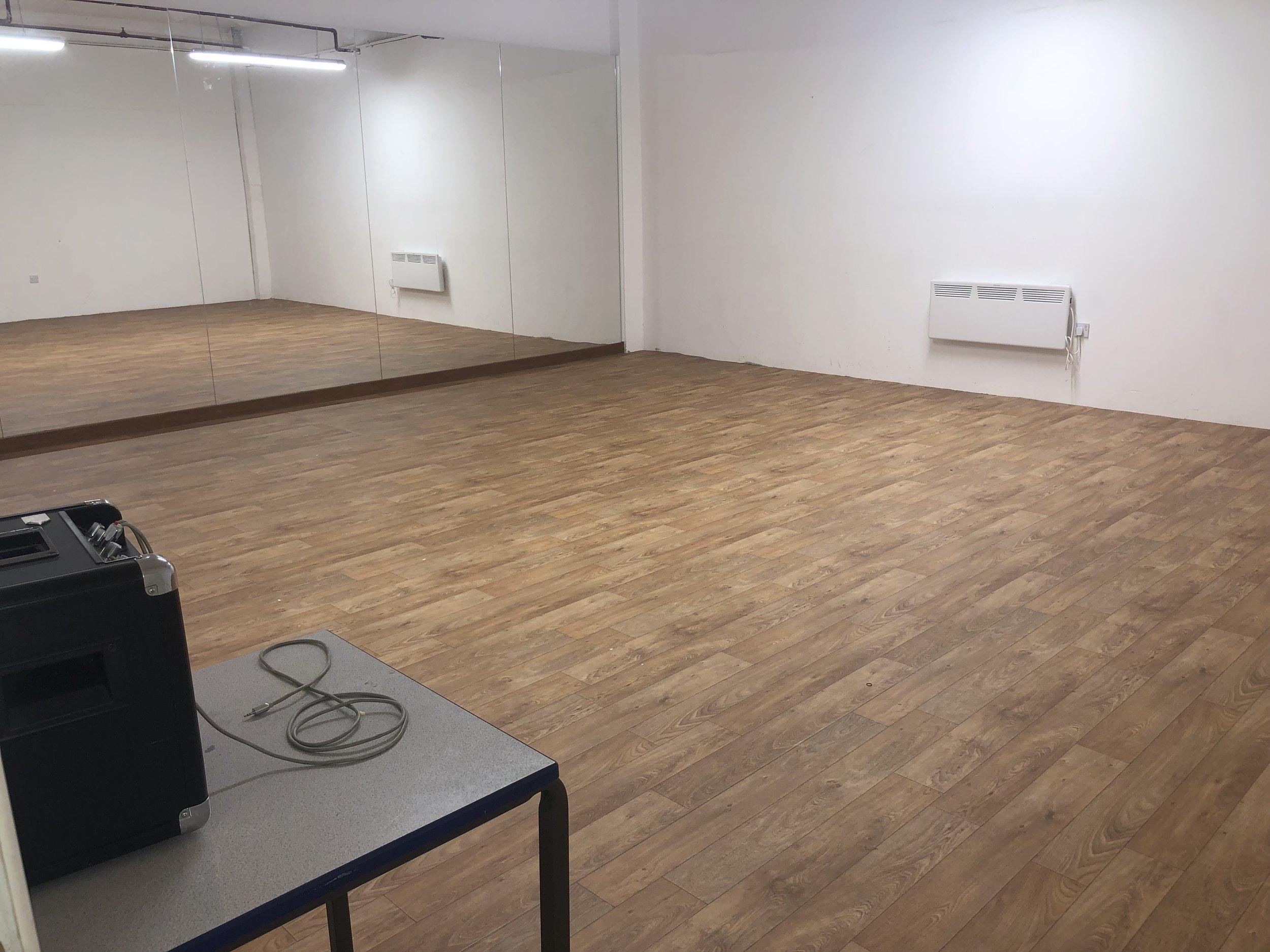 Studio three - Studio 3: 23.5ft x 21.5ft